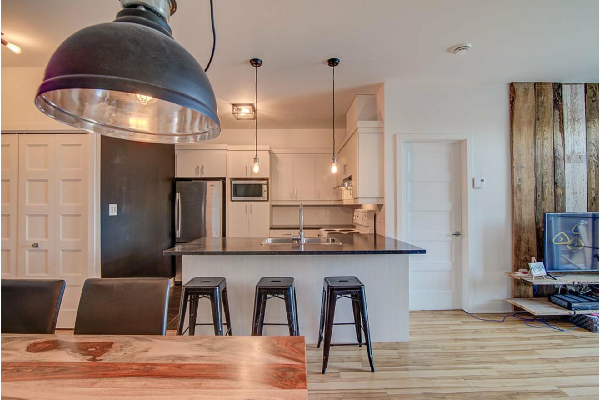 image 12 - Appartement À vendre Sainte-Anne-des-Plaines - 7 pièces