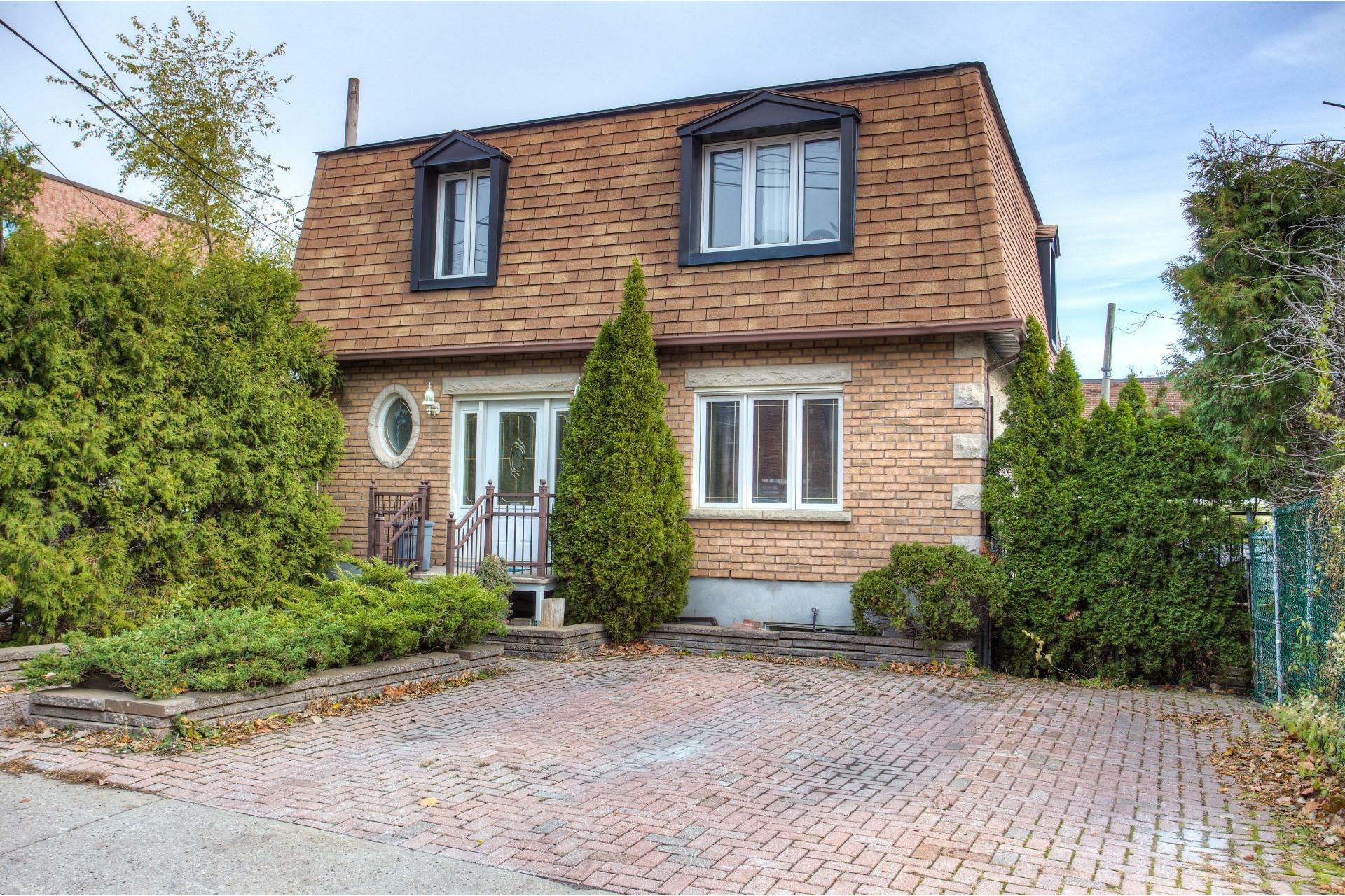 image 0 - House For sale Le Sud-Ouest Montréal  - 13 rooms