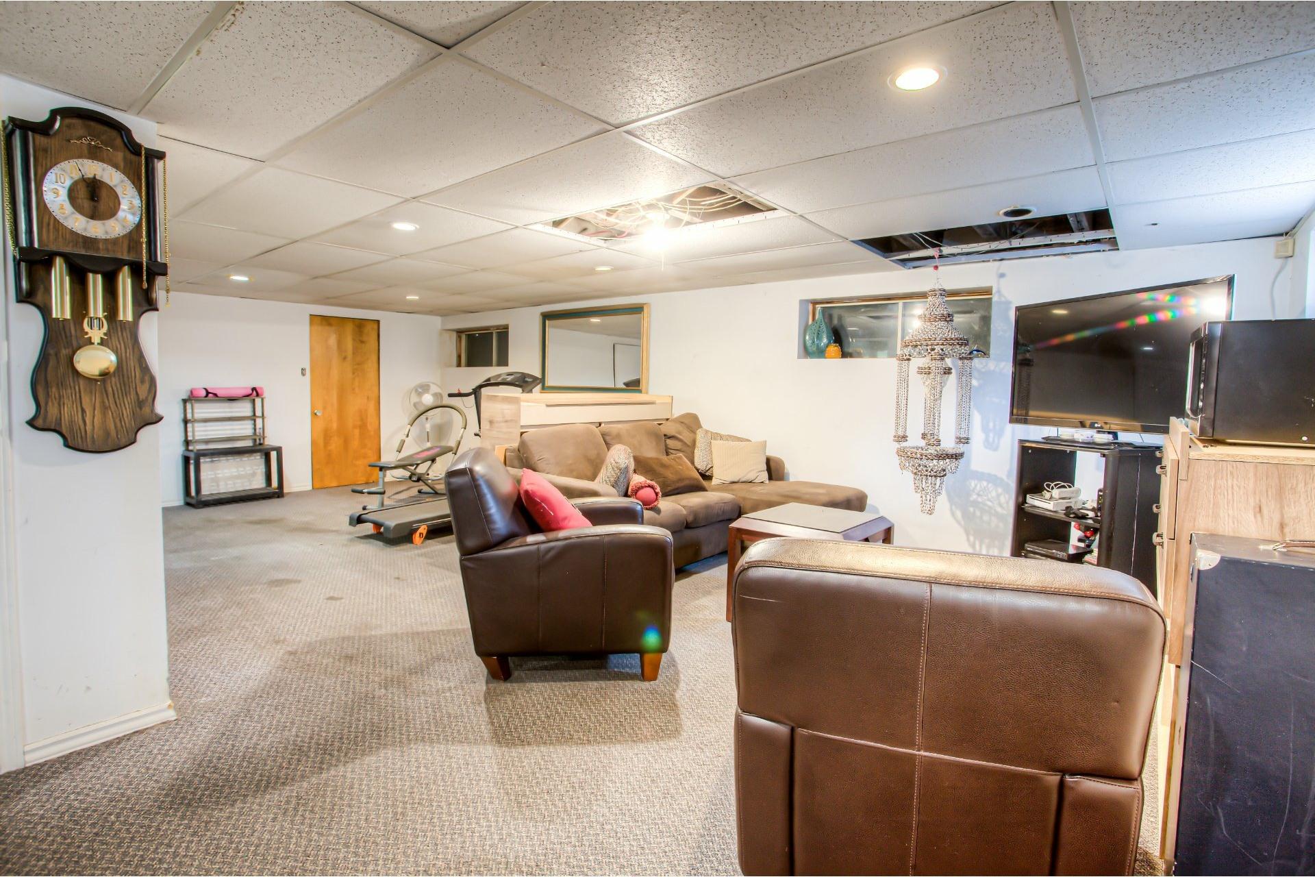image 15 - House For sale Le Sud-Ouest Montréal  - 13 rooms