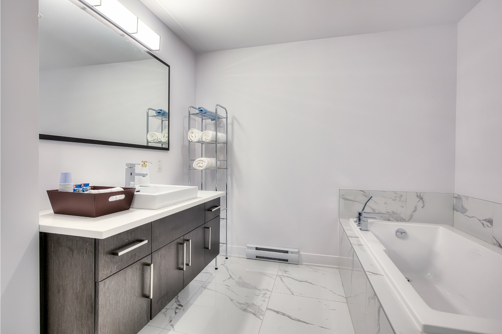 image 18 - Apartment For sale Chomedey Laval  - 6 rooms