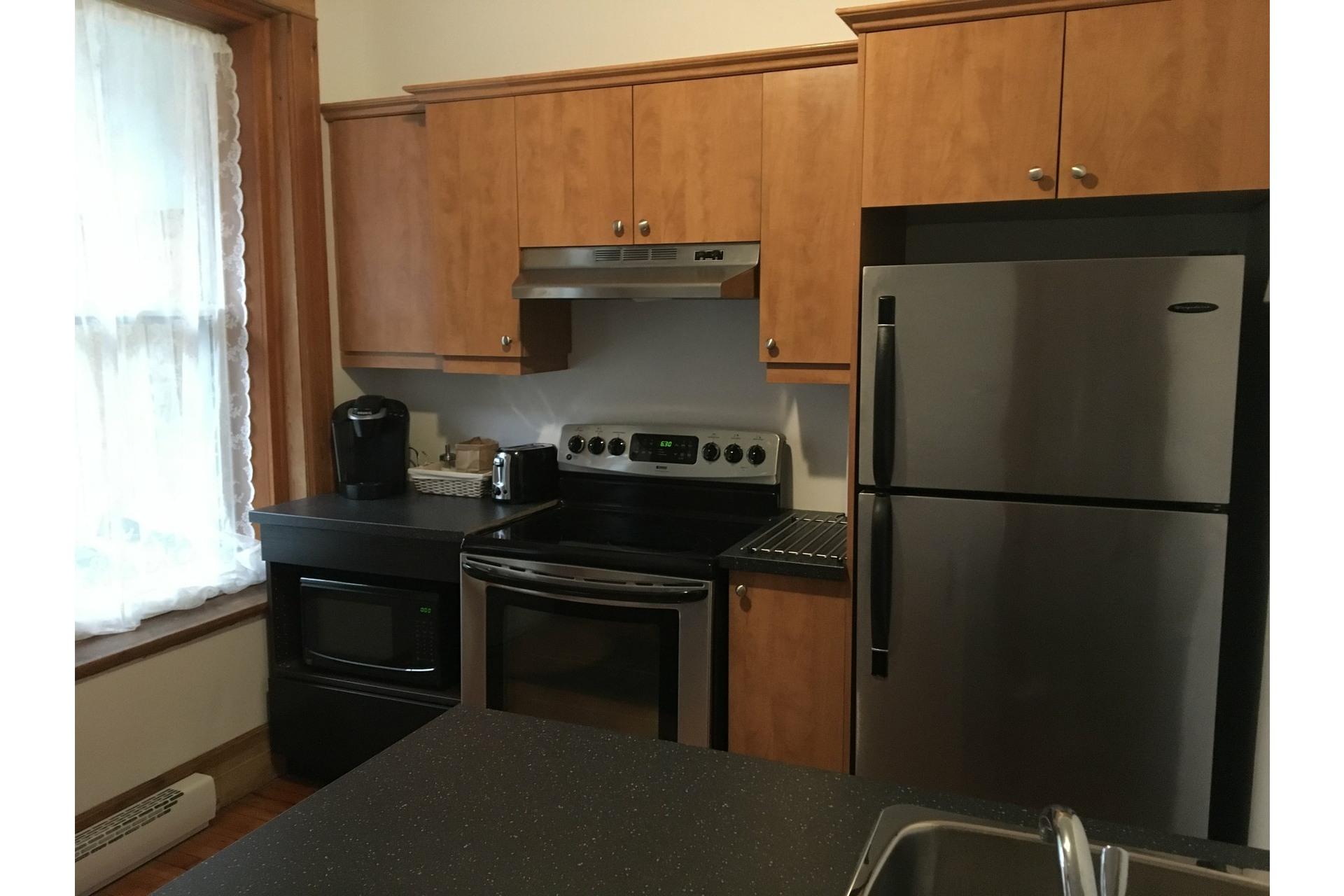 image 8 - Apartment For rent Verdun/Île-des-Soeurs Montréal  - 5 rooms