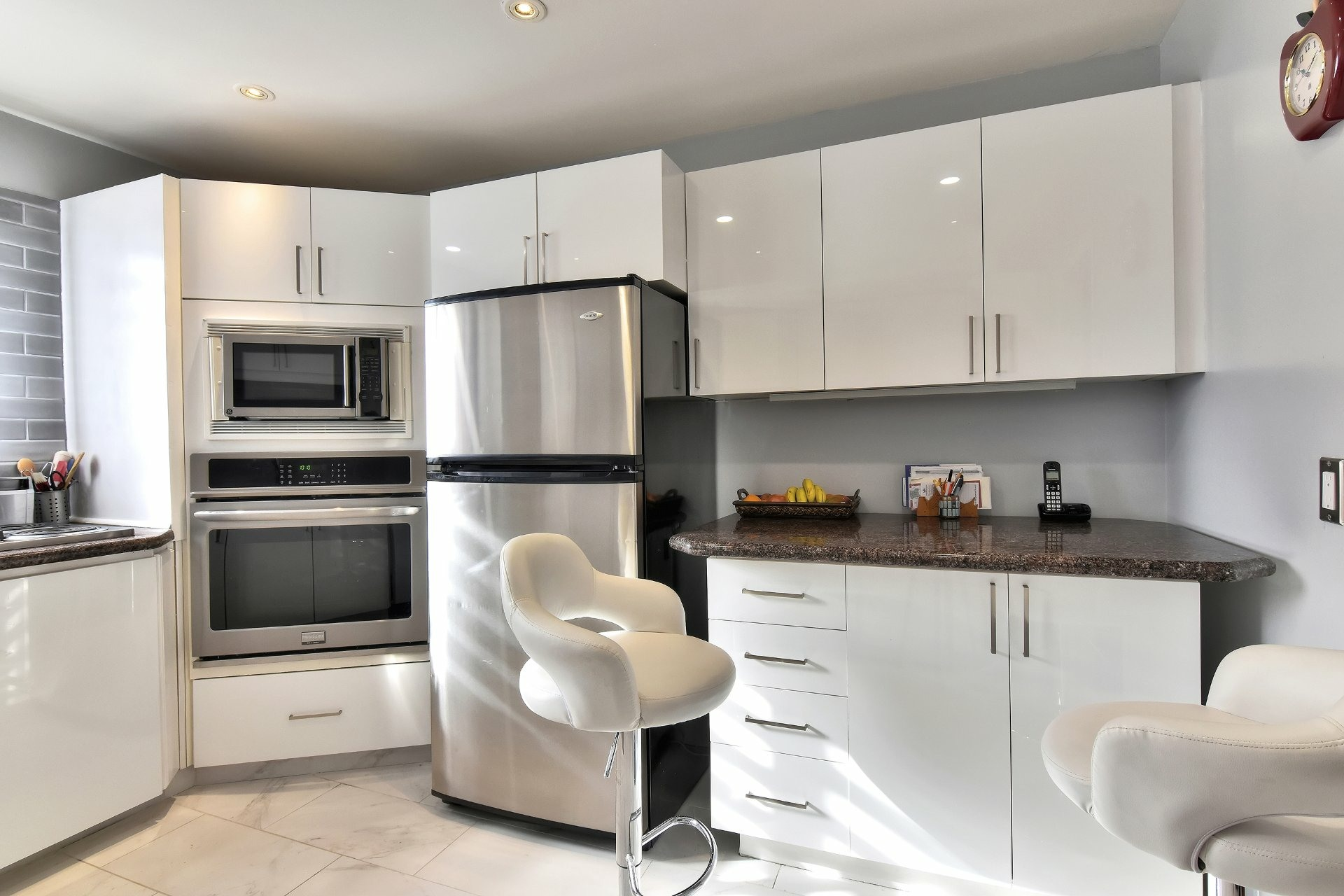 image 6 - House For sale Chomedey Laval  - 12 rooms