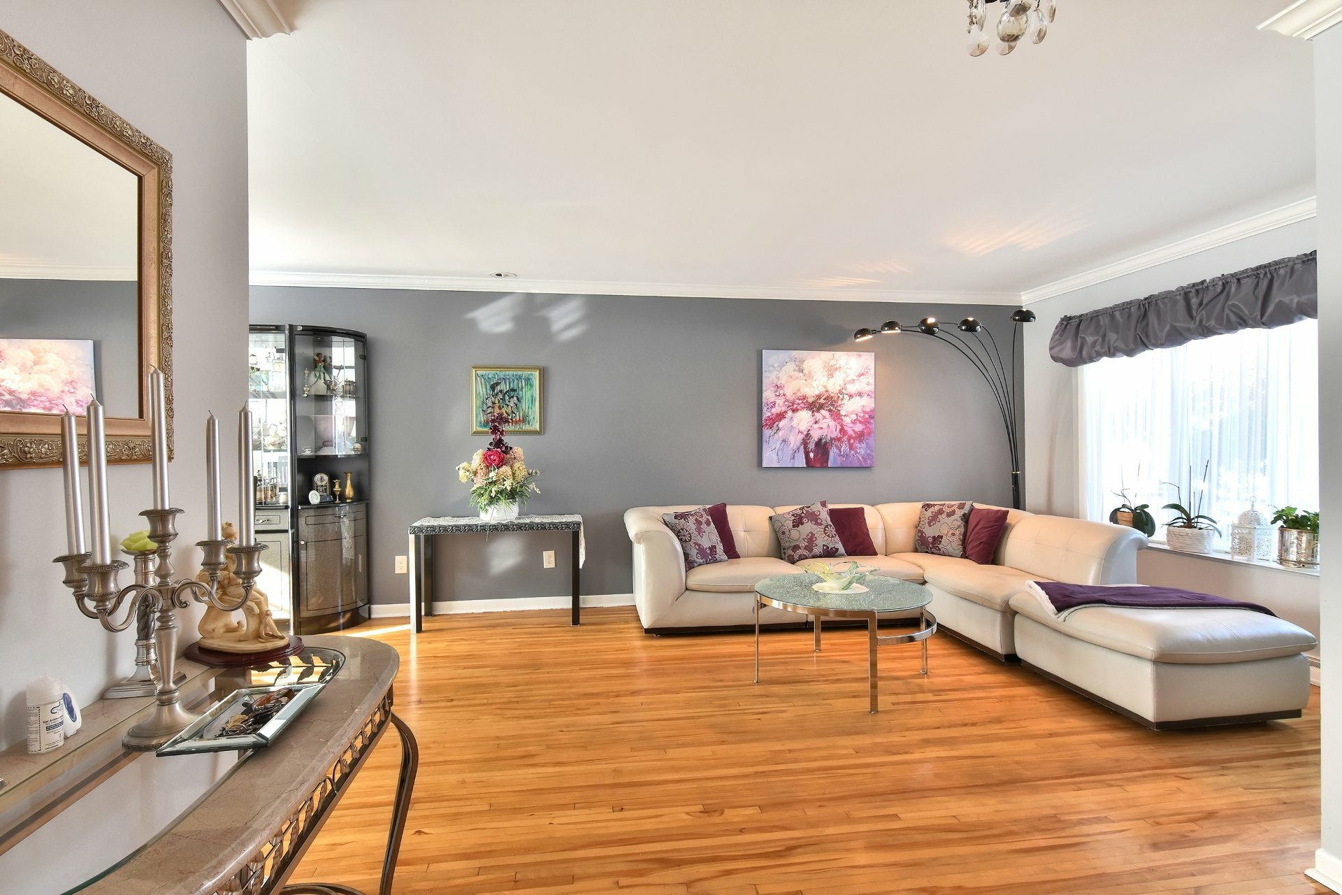 image 2 - House For sale Chomedey Laval  - 12 rooms