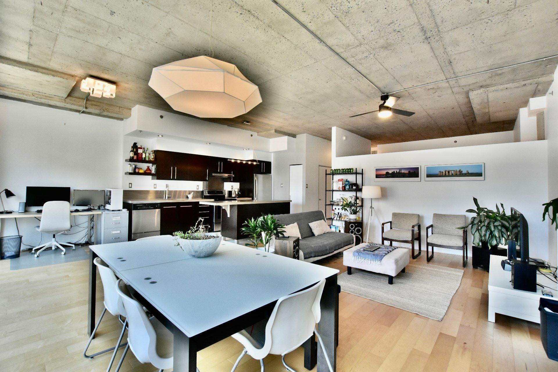 image 5 - Apartment For rent Villeray/Saint-Michel/Parc-Extension Montréal  - 5 rooms