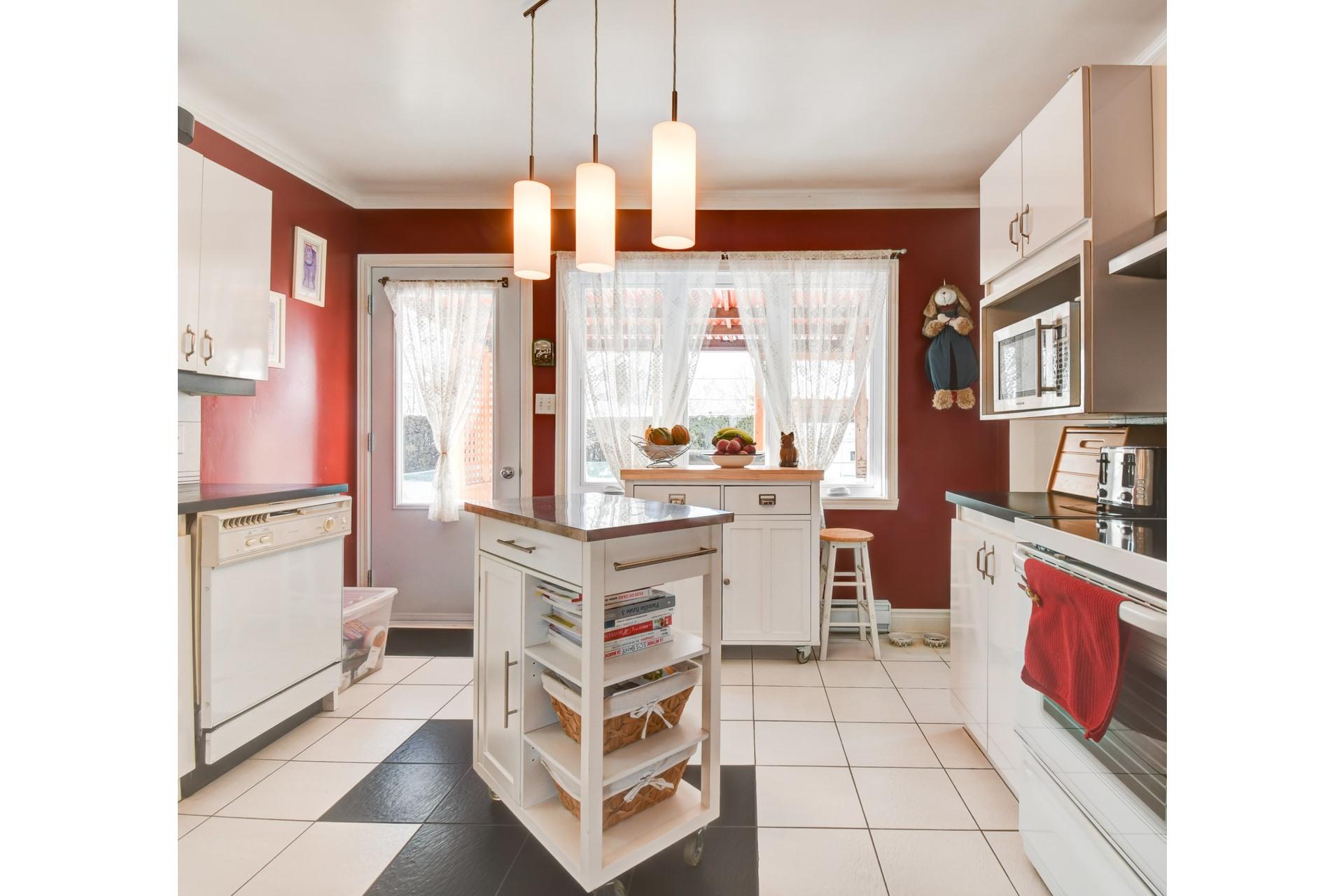 image 3 - Maison À vendre Shawinigan - 13 pièces