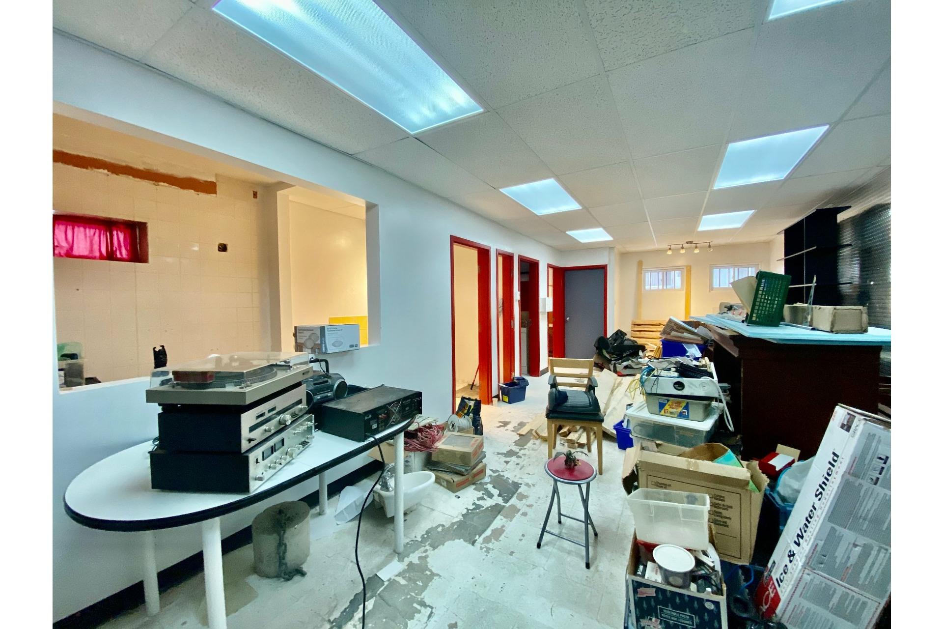 image 15 - Quadruplex For sale Lachine Montréal  - 5 rooms