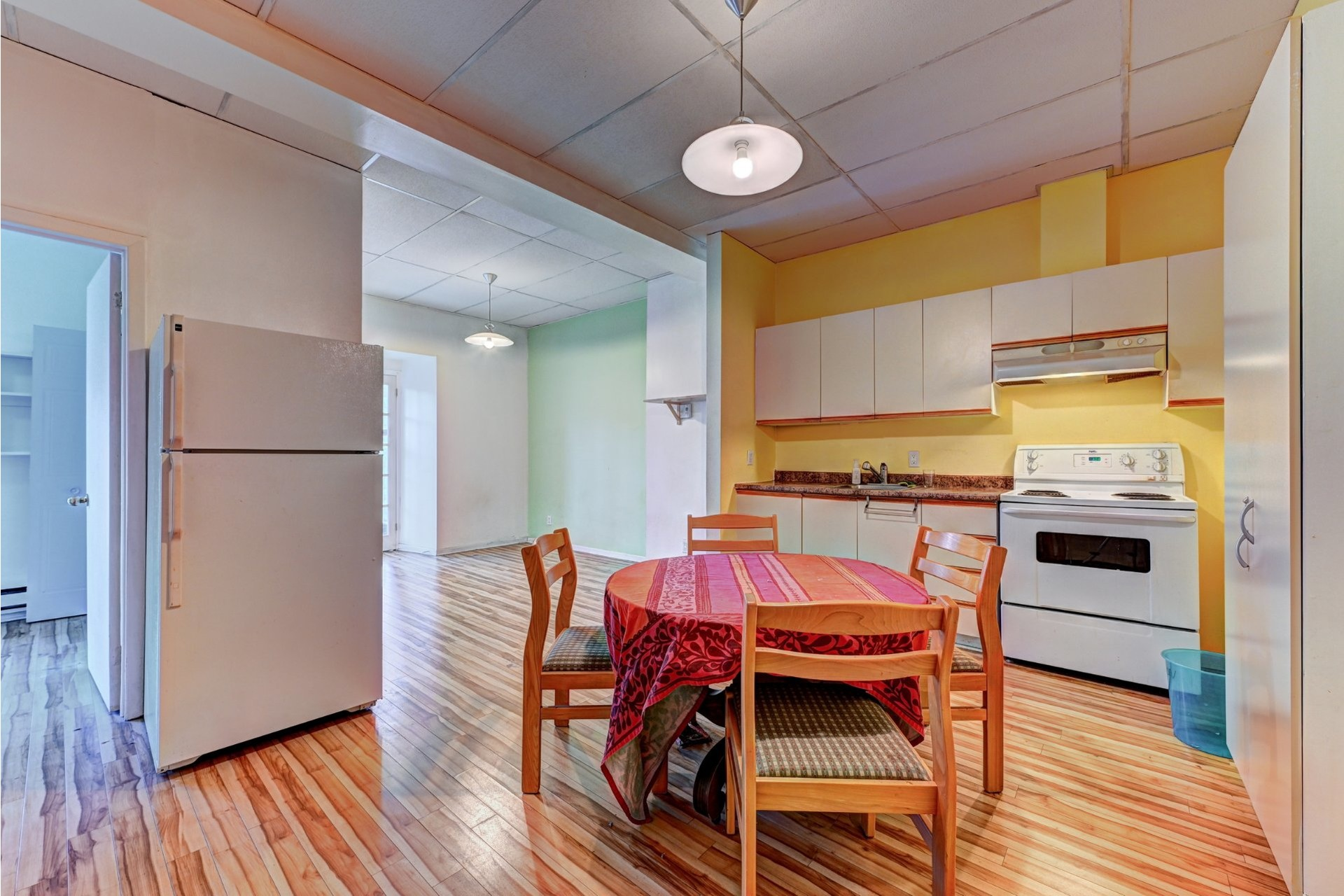 image 16 - Quadruplex For sale Ville-Marie Montréal  - 4 rooms