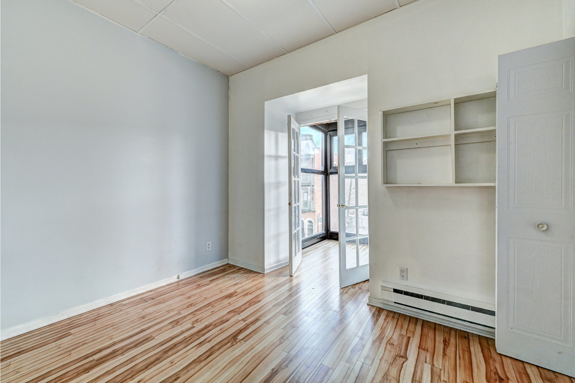 image 18 - Quadruplex For sale Ville-Marie Montréal  - 4 rooms