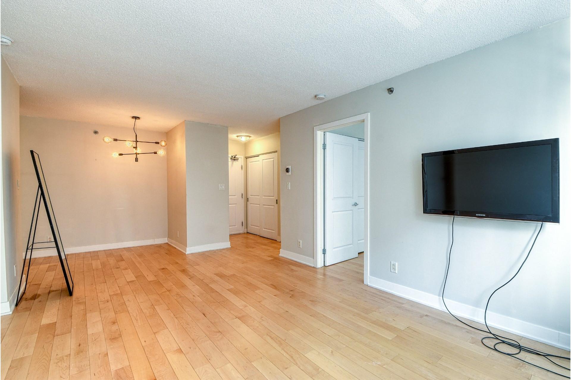 image 3 - Apartment For rent Ville-Marie Montréal  - 4 rooms