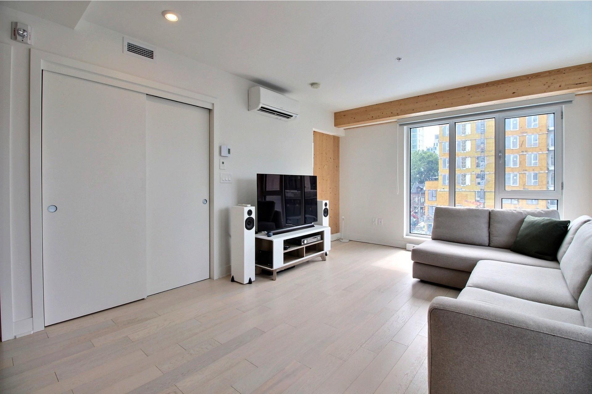 image 9 - Appartement À louer Le Sud-Ouest Montréal  - 4 pièces