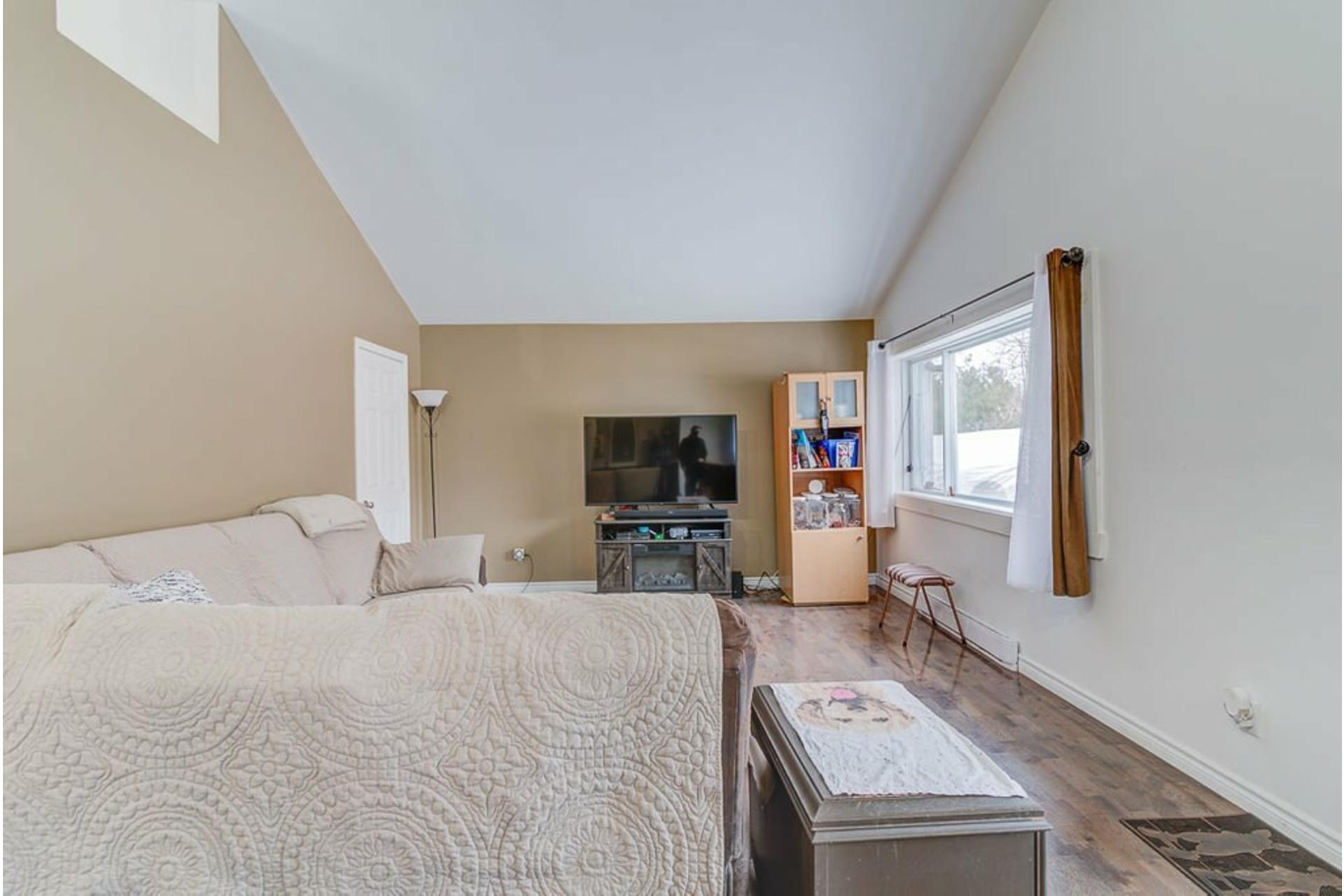 image 5 - House For sale Sainte-Julienne - 7 rooms