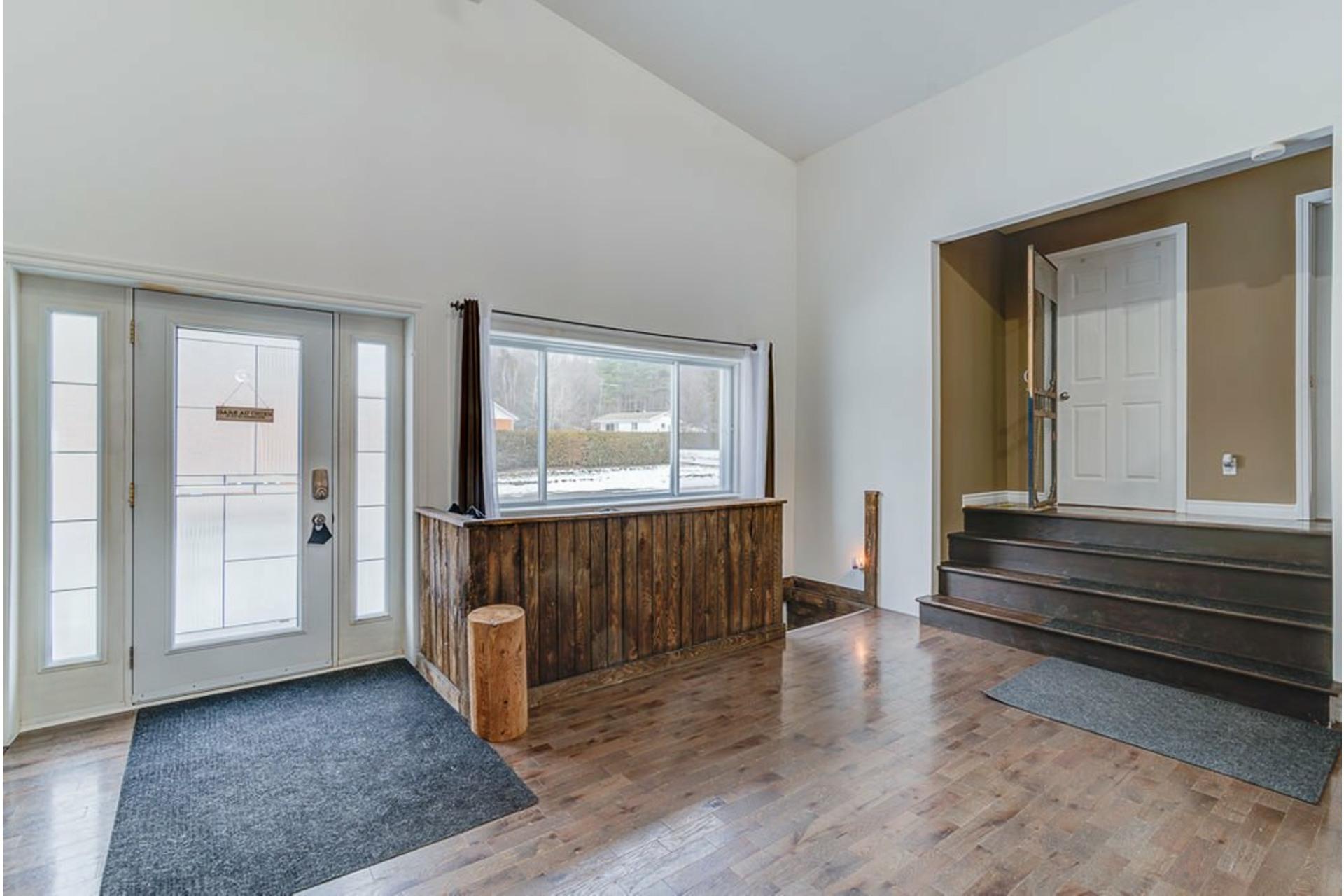 image 1 - House For sale Sainte-Julienne - 7 rooms