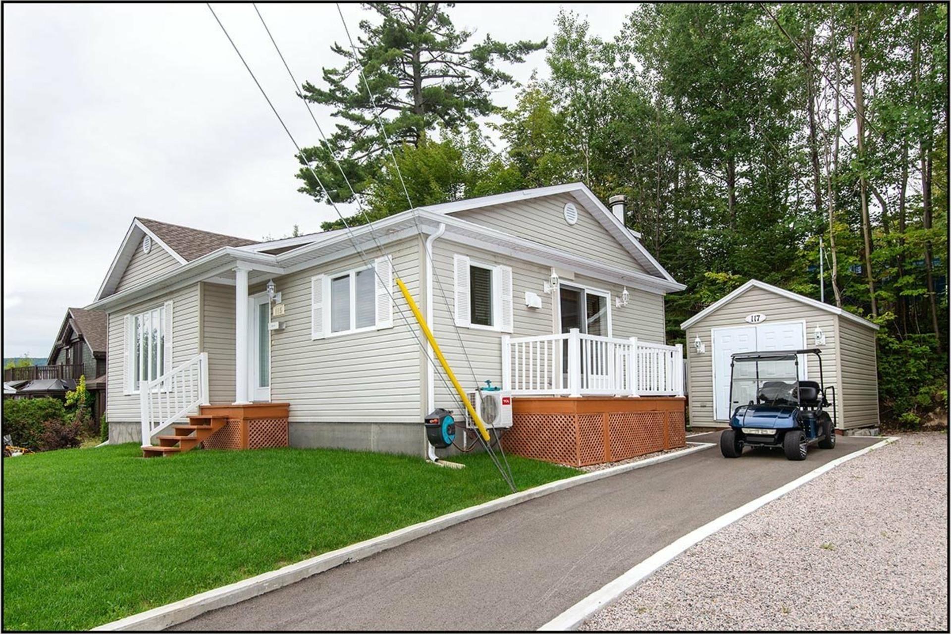 image 1 - Maison À vendre Fossambault-sur-le-Lac - 9 pièces