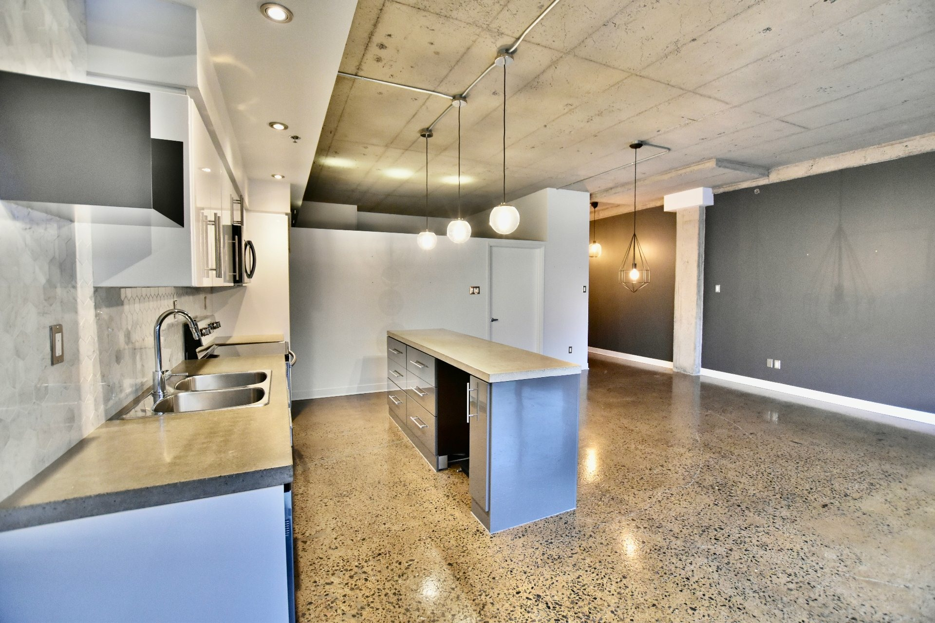 image 5 - Departamento Para alquiler Villeray/Saint-Michel/Parc-Extension Montréal  - 5 habitaciones