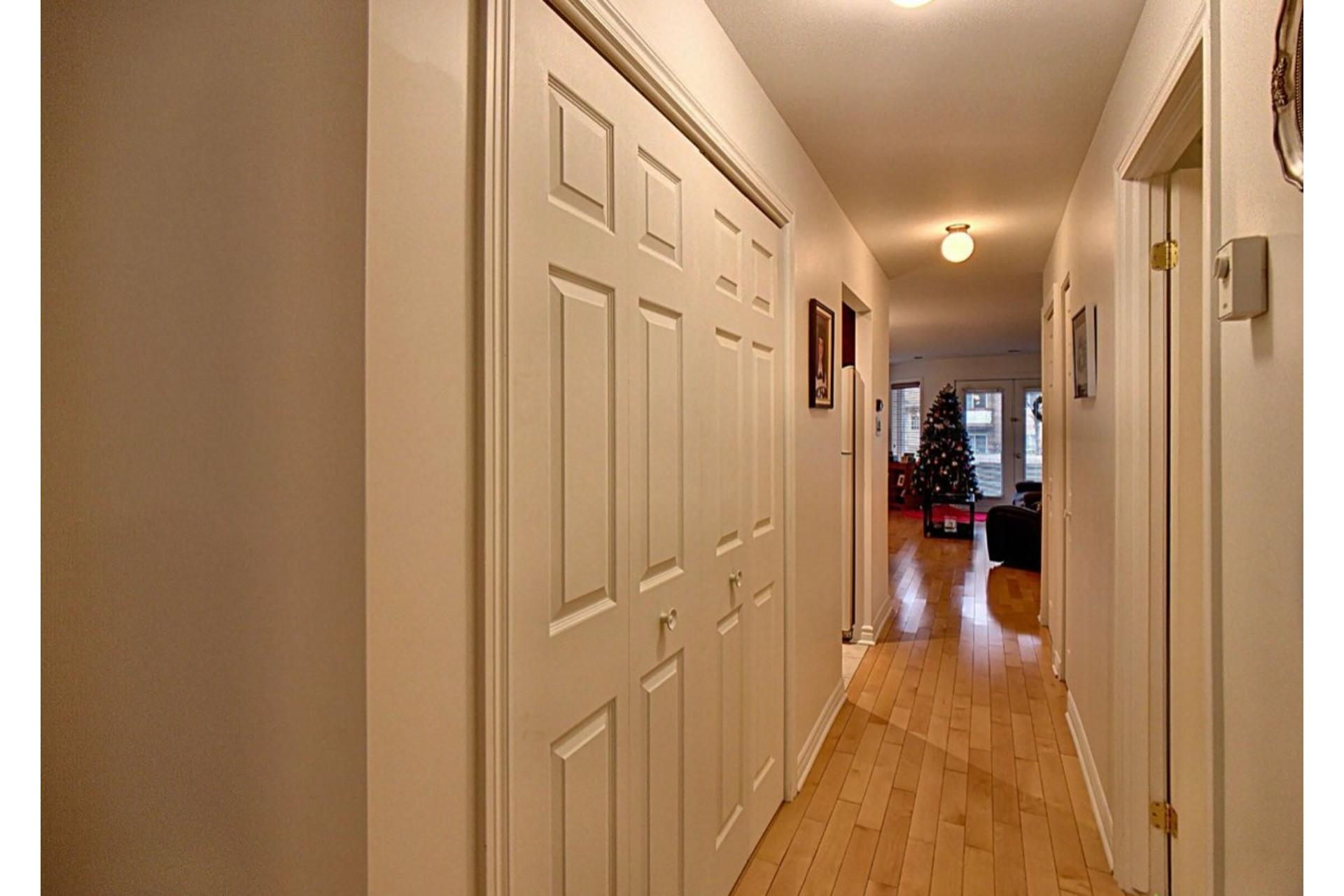 image 12 - Appartement À vendre Chomedey Laval  - 6 pièces