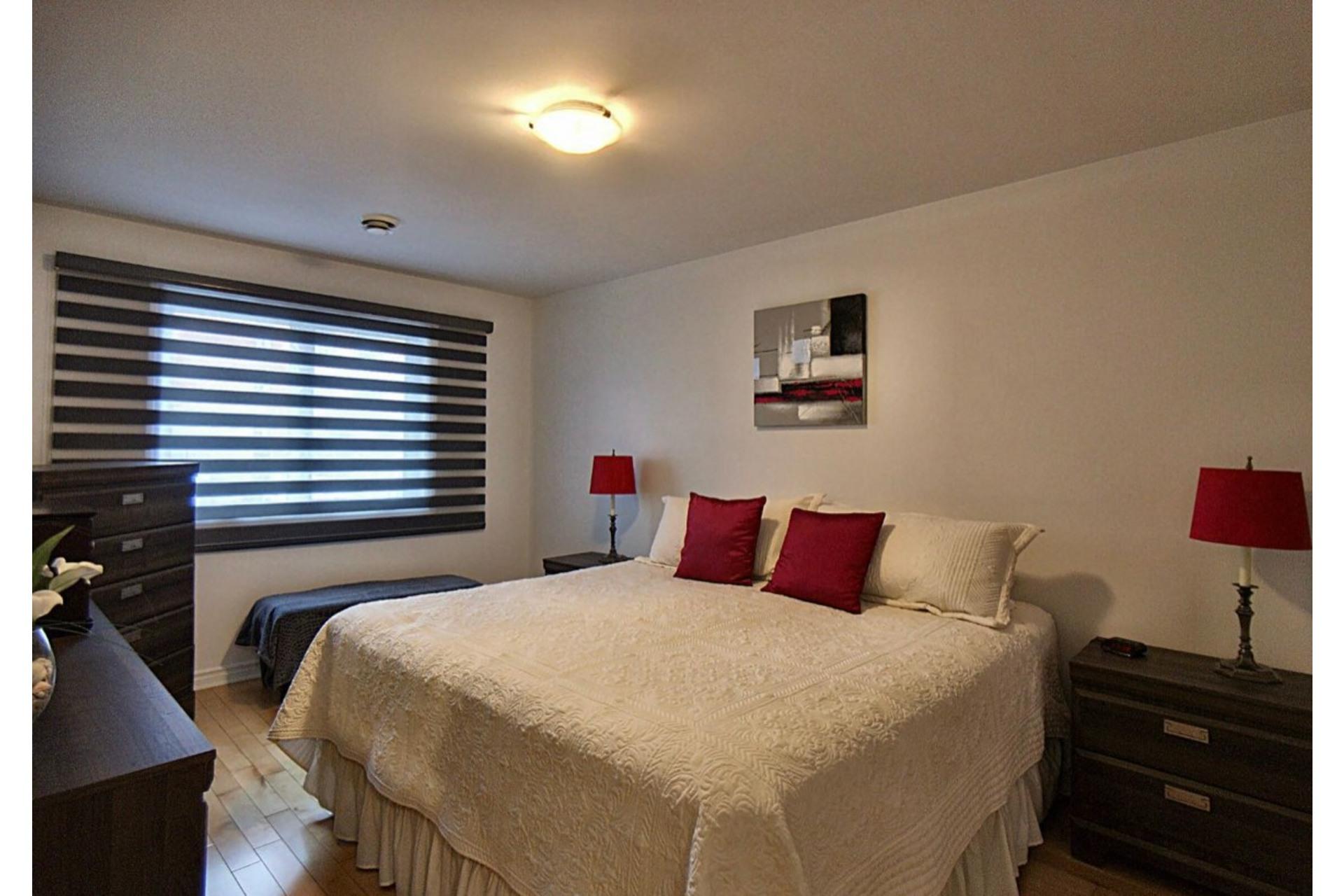 image 9 - Appartement À vendre Chomedey Laval  - 6 pièces