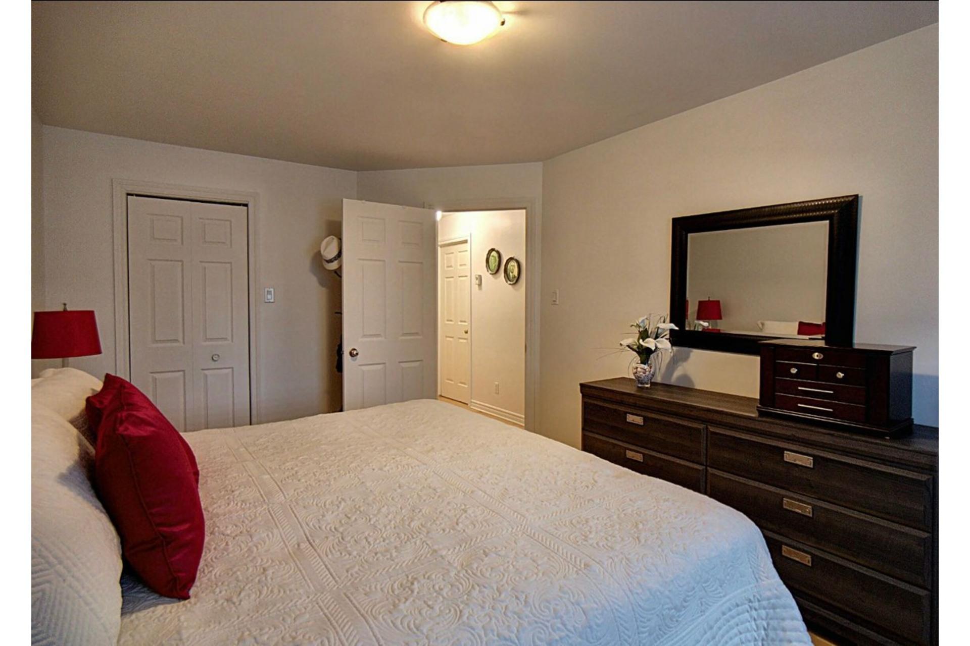image 10 - Appartement À vendre Chomedey Laval  - 6 pièces