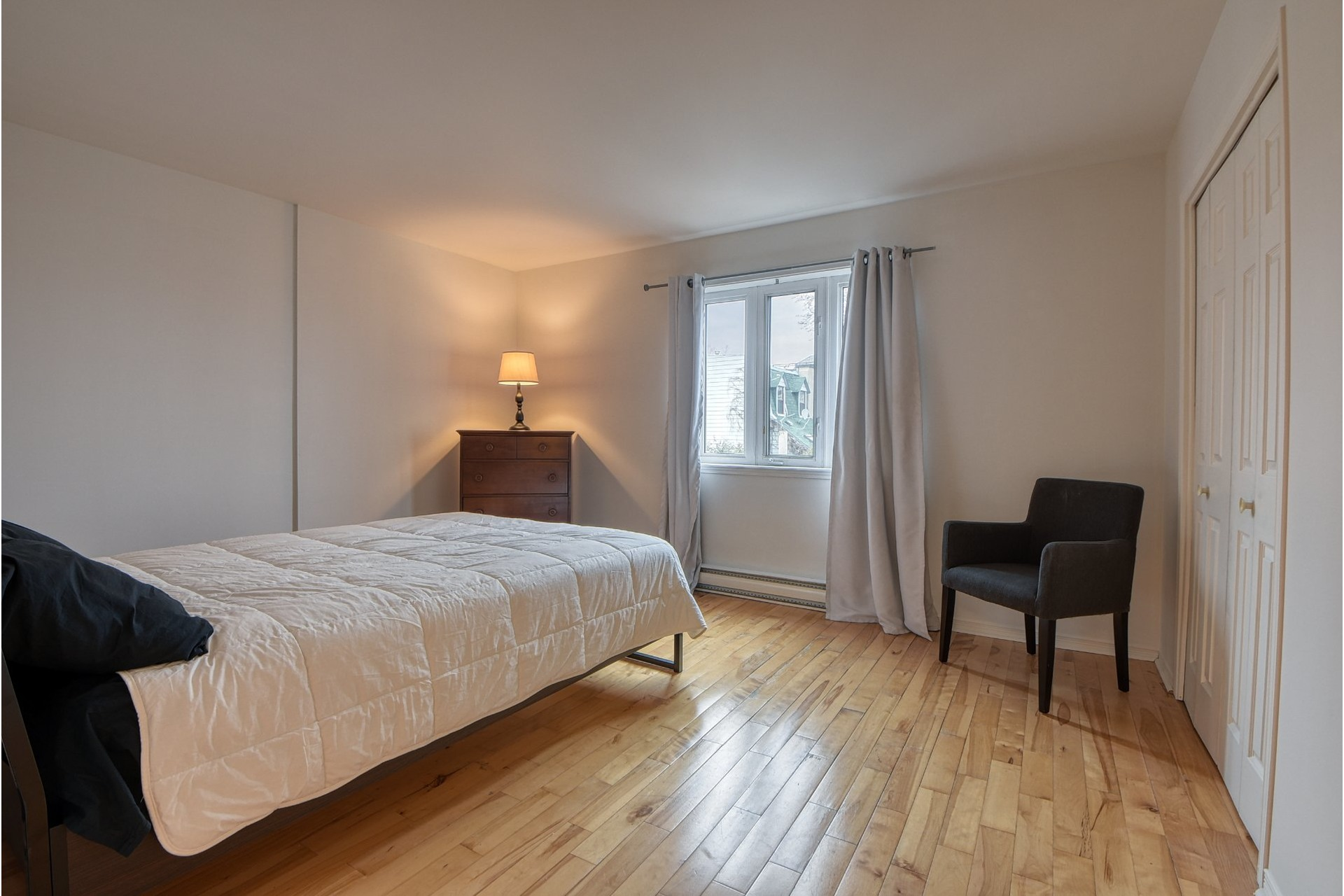 image 6 - House For sale Ville-Marie Montréal  - 10 rooms
