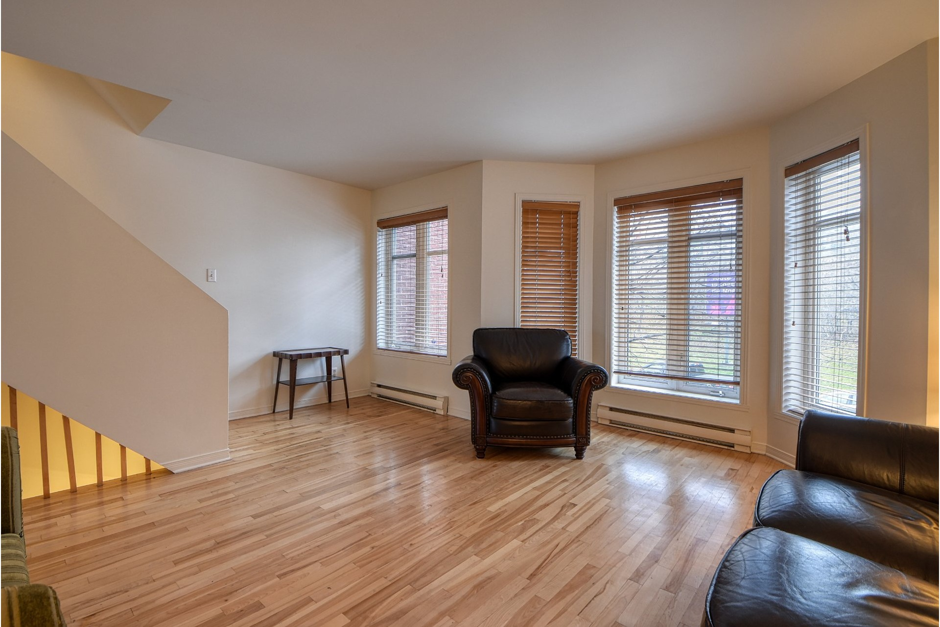 image 2 - House For sale Ville-Marie Montréal  - 10 rooms