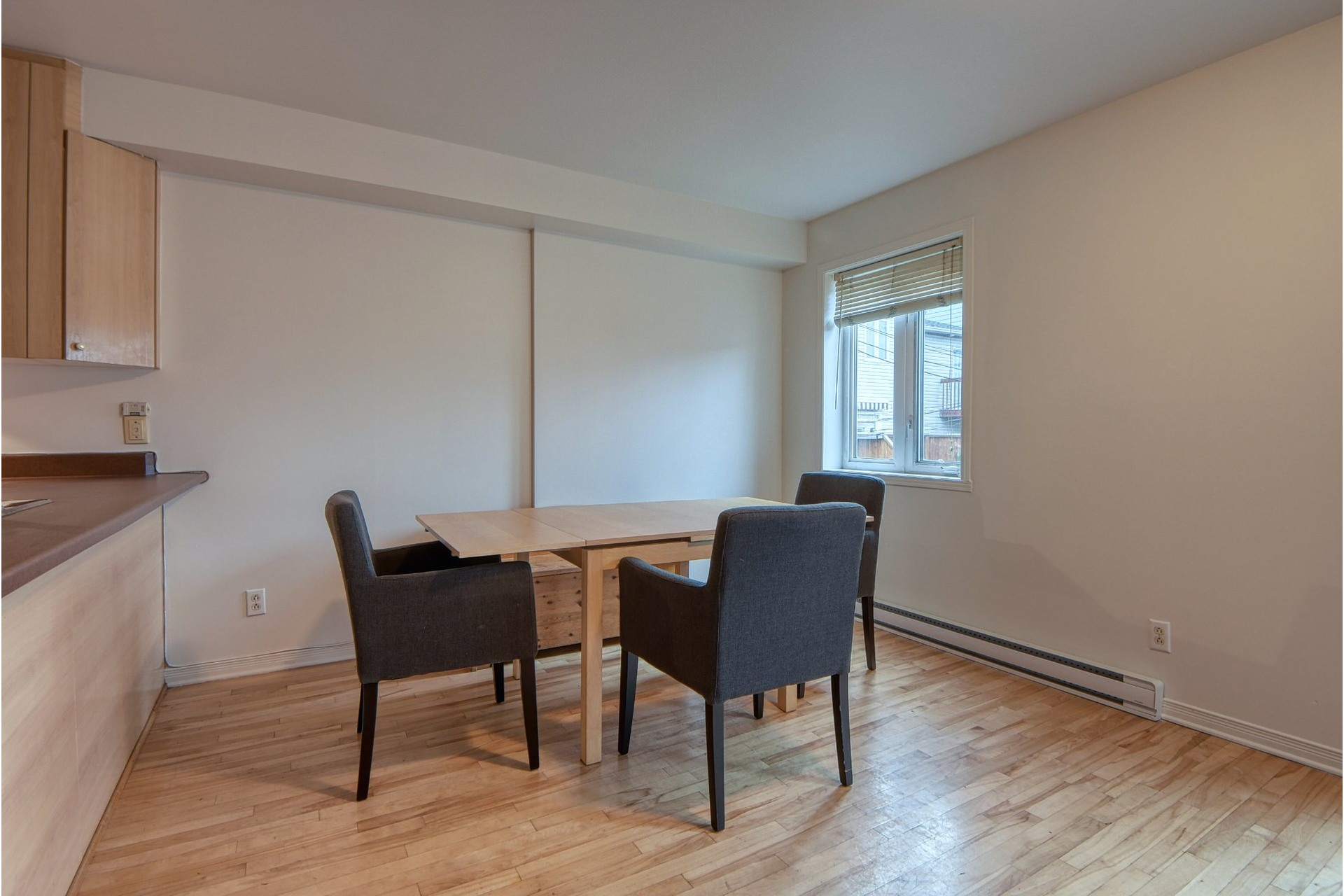 image 3 - House For sale Ville-Marie Montréal  - 10 rooms