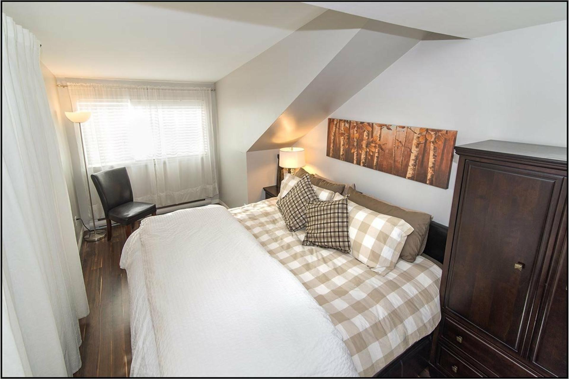image 8 - Apartment For rent Les Rivières Québec  - 10 rooms
