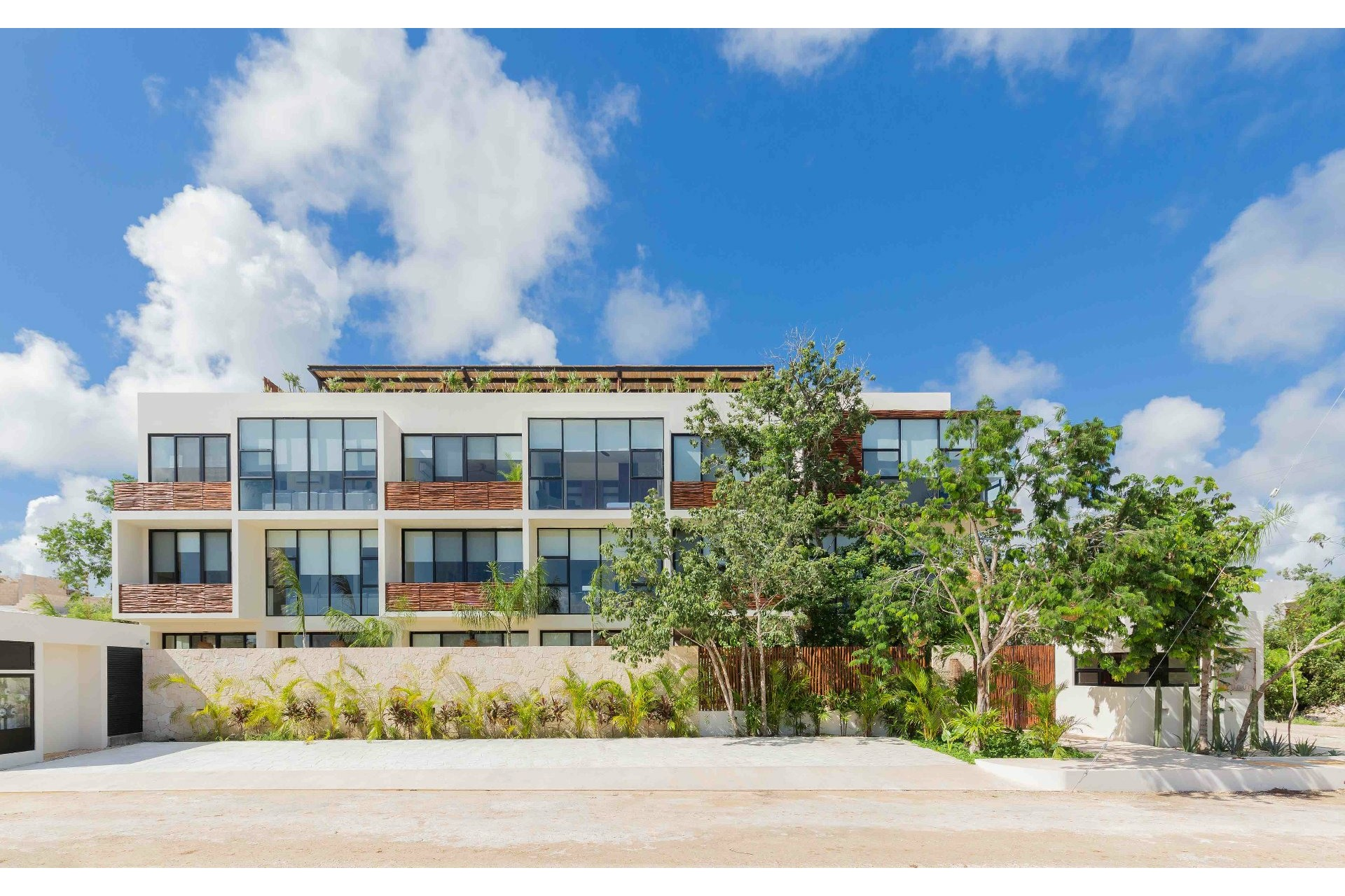 image 0 - Apartment For sale Autres pays - 7 rooms