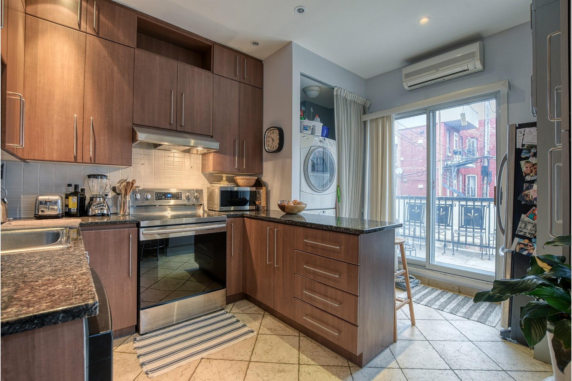 image 2 - Appartement À vendre Le Sud-Ouest Montréal  - 5 pièces