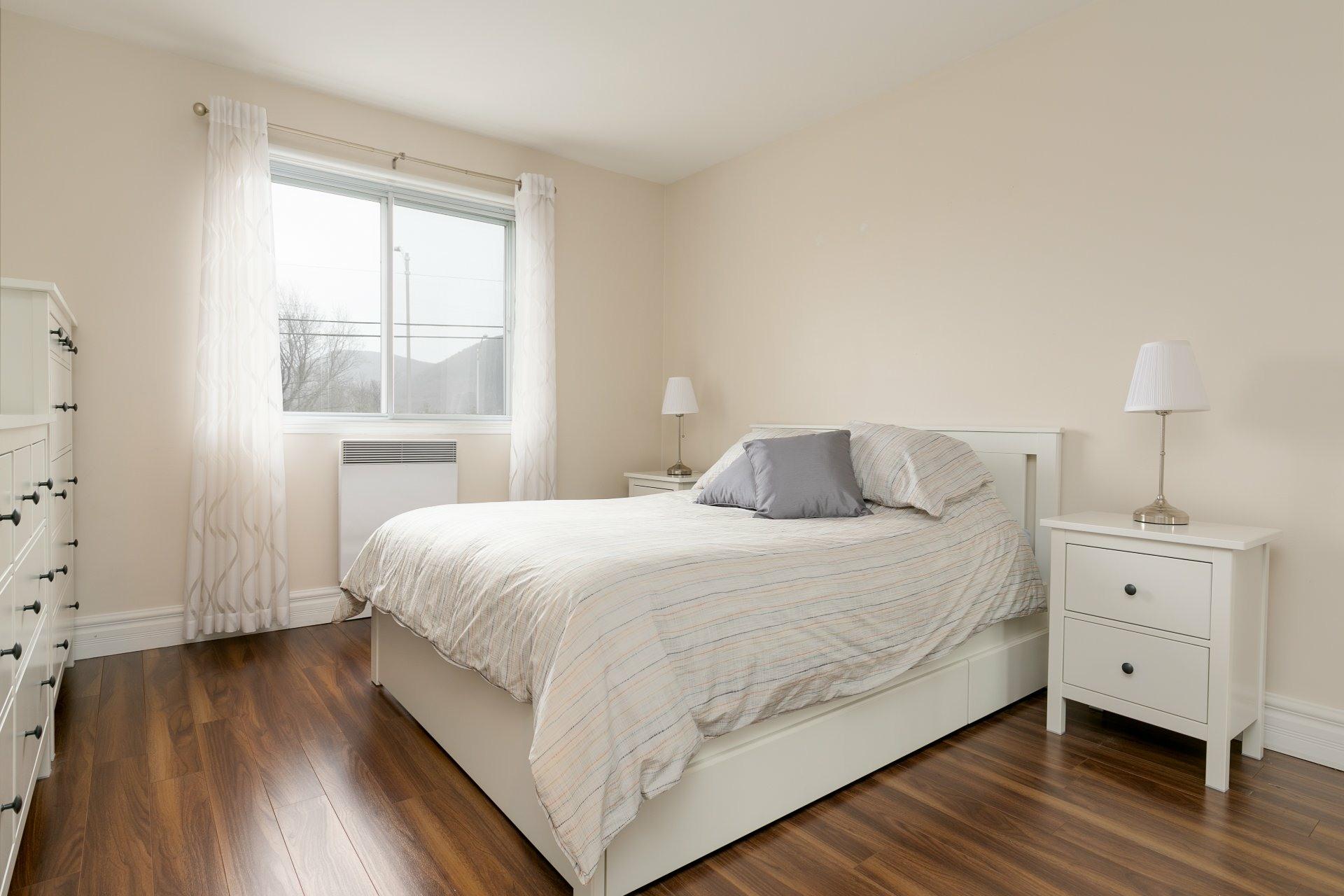image 10 - Appartement À vendre Mont-Saint-Hilaire - 7 pièces