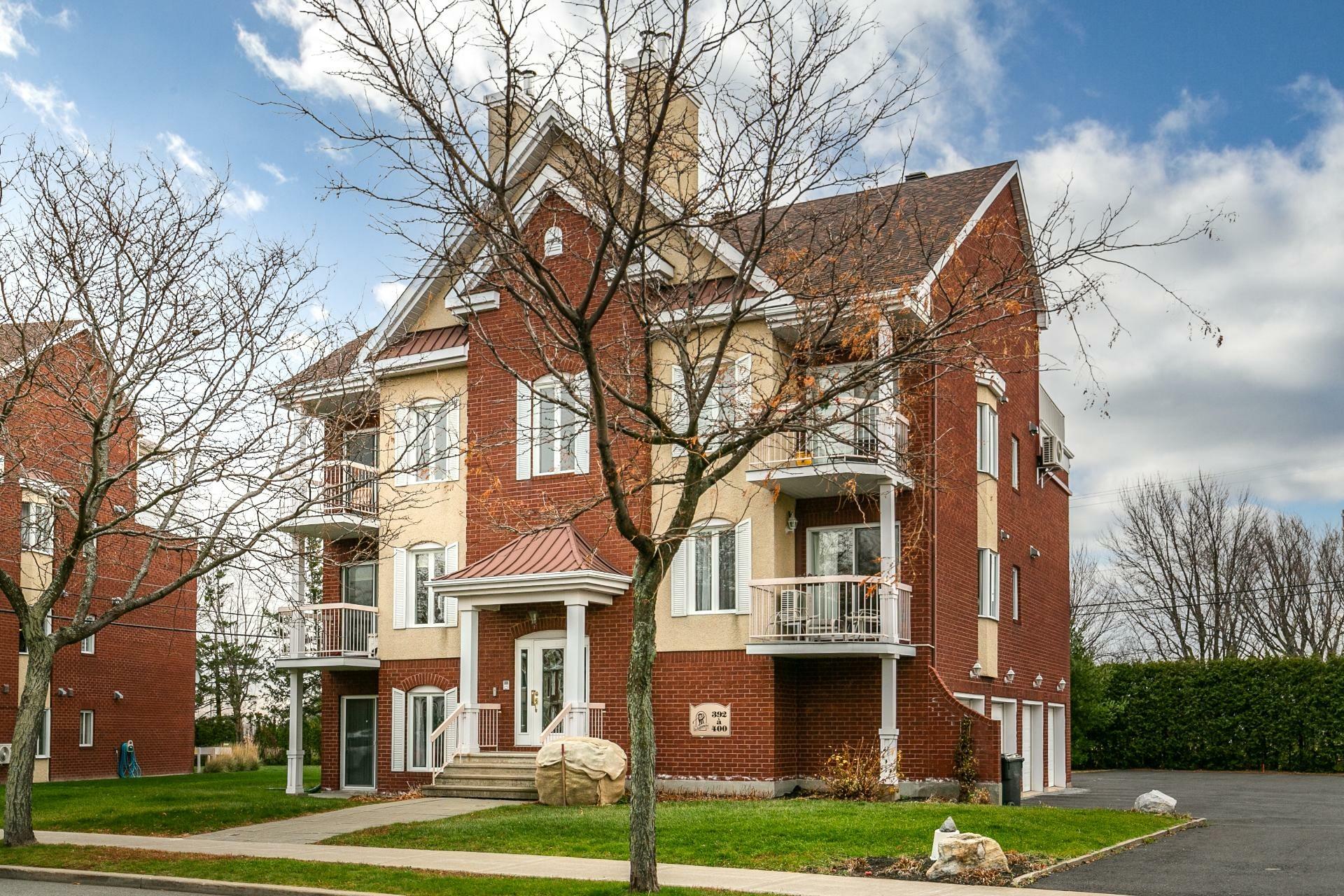 image 0 - Appartement À vendre Mont-Saint-Hilaire - 7 pièces