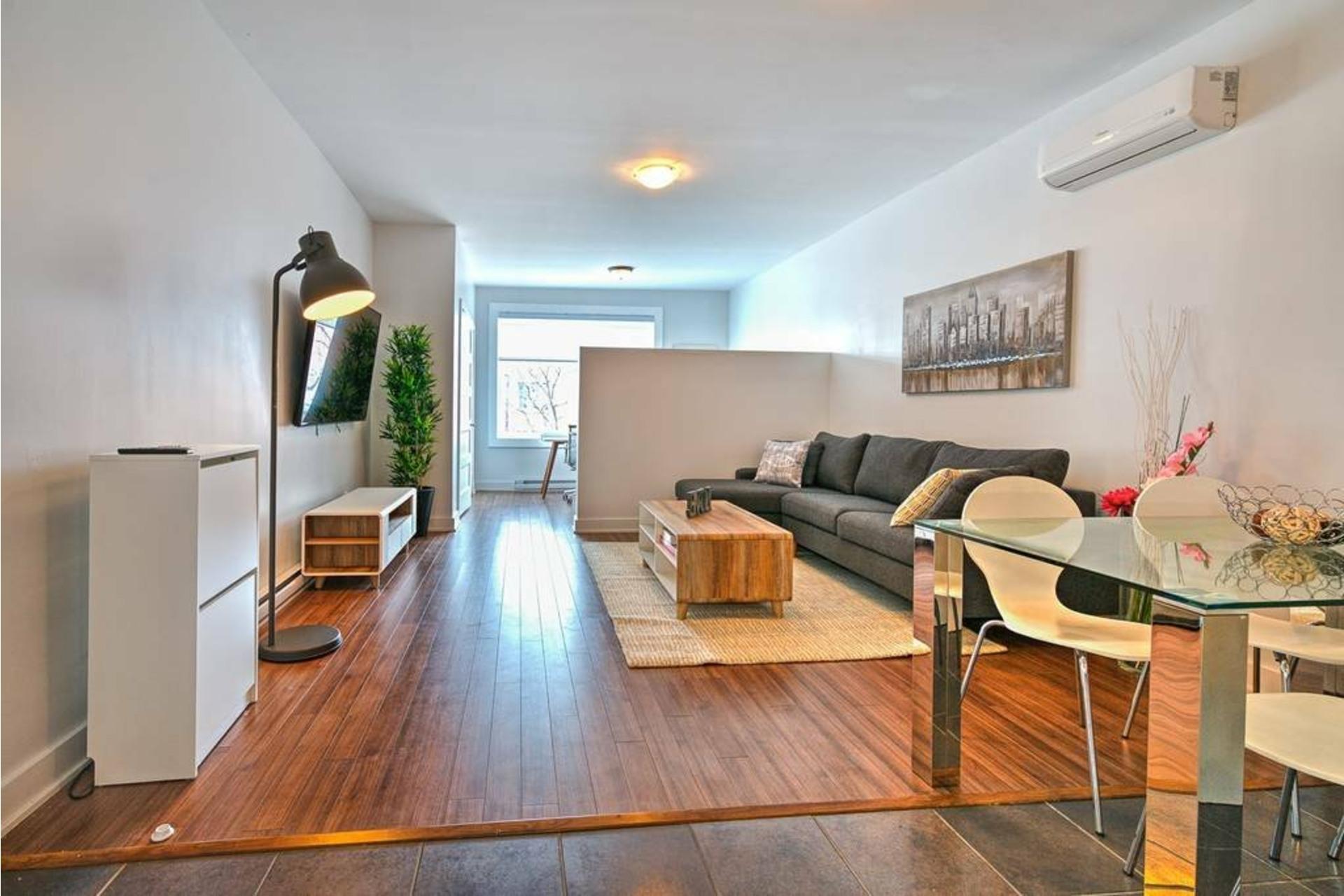 image 3 - Appartement À louer Côte-des-Neiges/Notre-Dame-de-Grâce Montréal  - 4 pièces