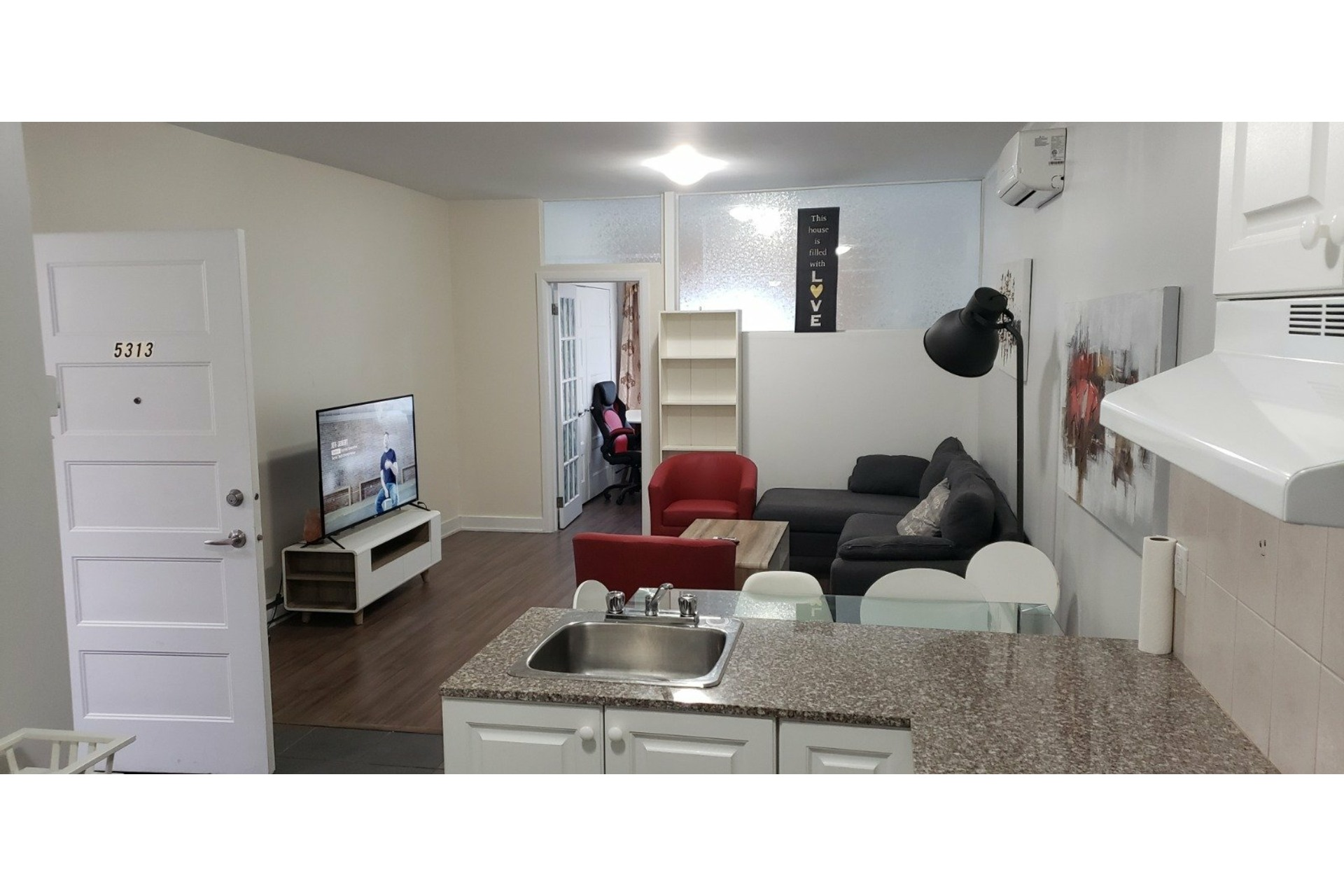image 1 - Appartement À louer Côte-des-Neiges/Notre-Dame-de-Grâce Montréal  - 4 pièces