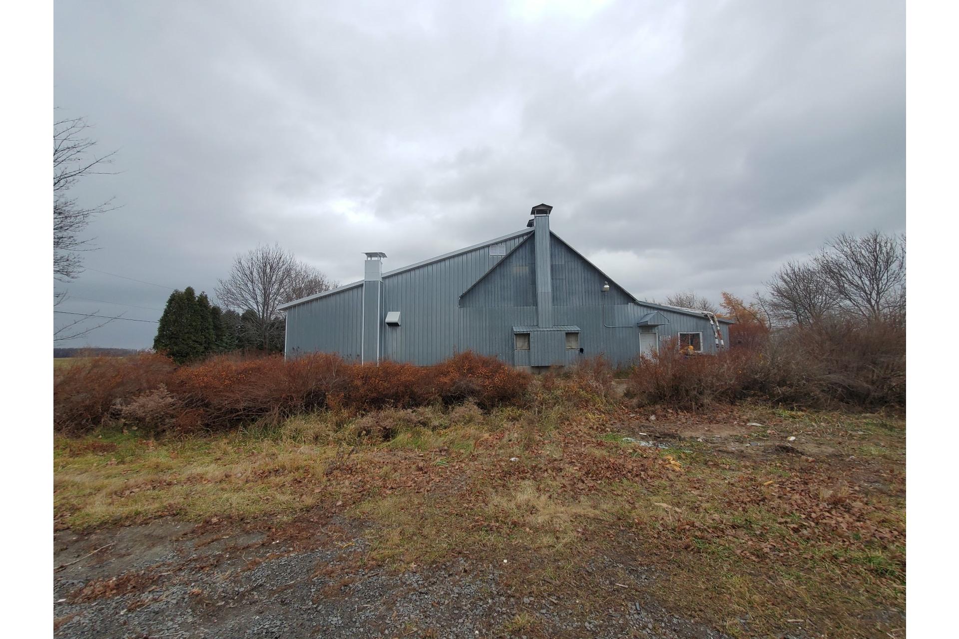 image 5 - Farmhouse For sale Saint-Pierre-les-Becquets - 10 rooms