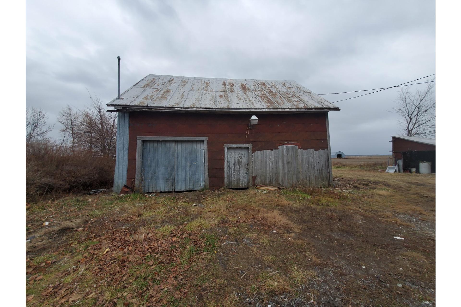 image 3 - Farmhouse For sale Saint-Pierre-les-Becquets - 10 rooms