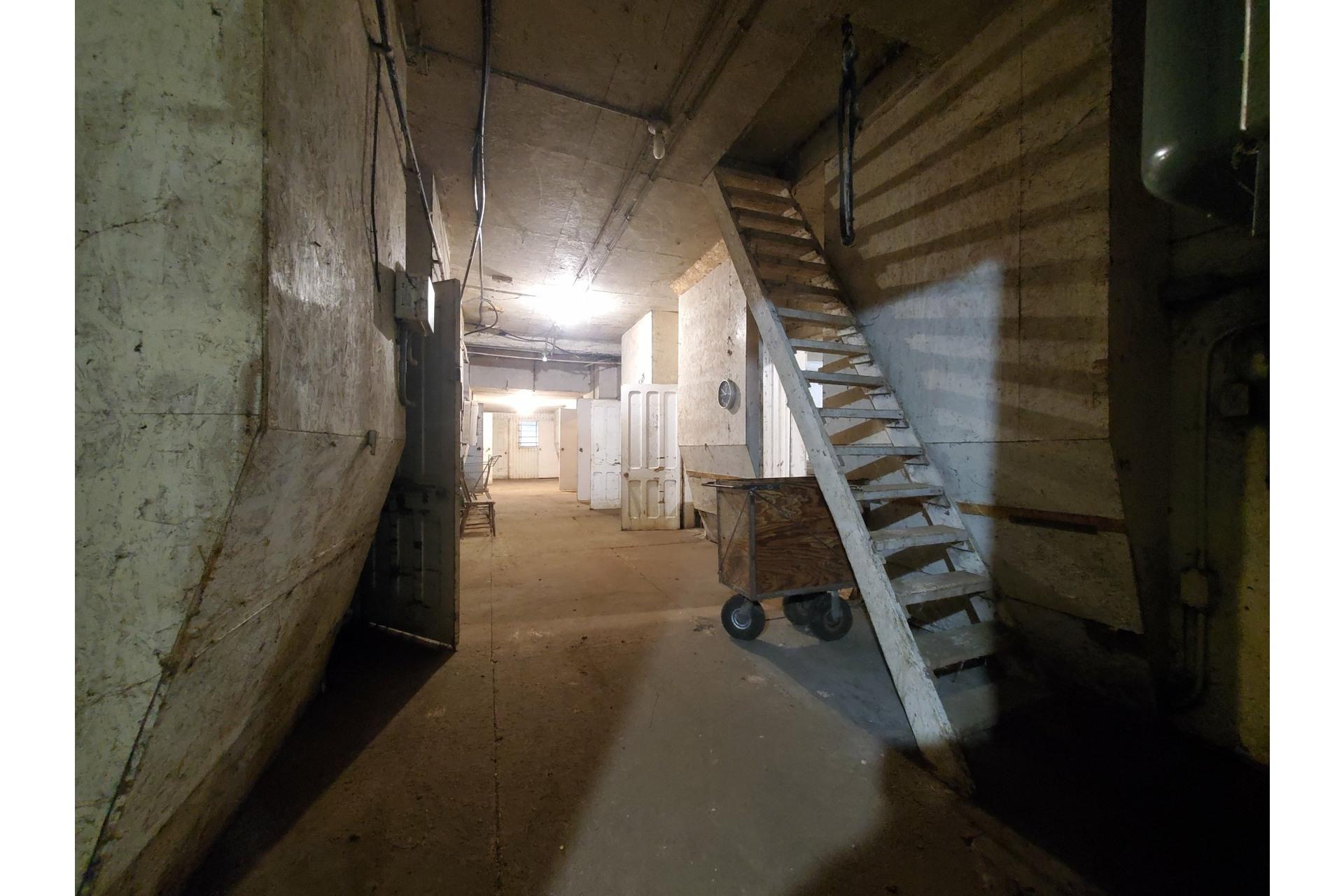 image 9 - Farmhouse For sale Saint-Pierre-les-Becquets - 10 rooms