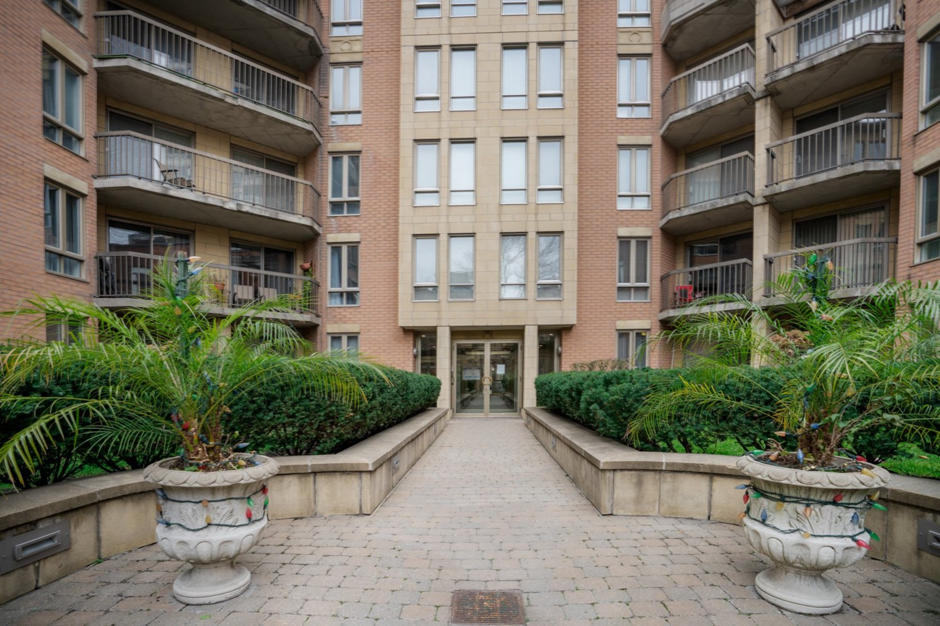 image 1 - Apartment For sale Ville-Marie Montréal  - 5 rooms