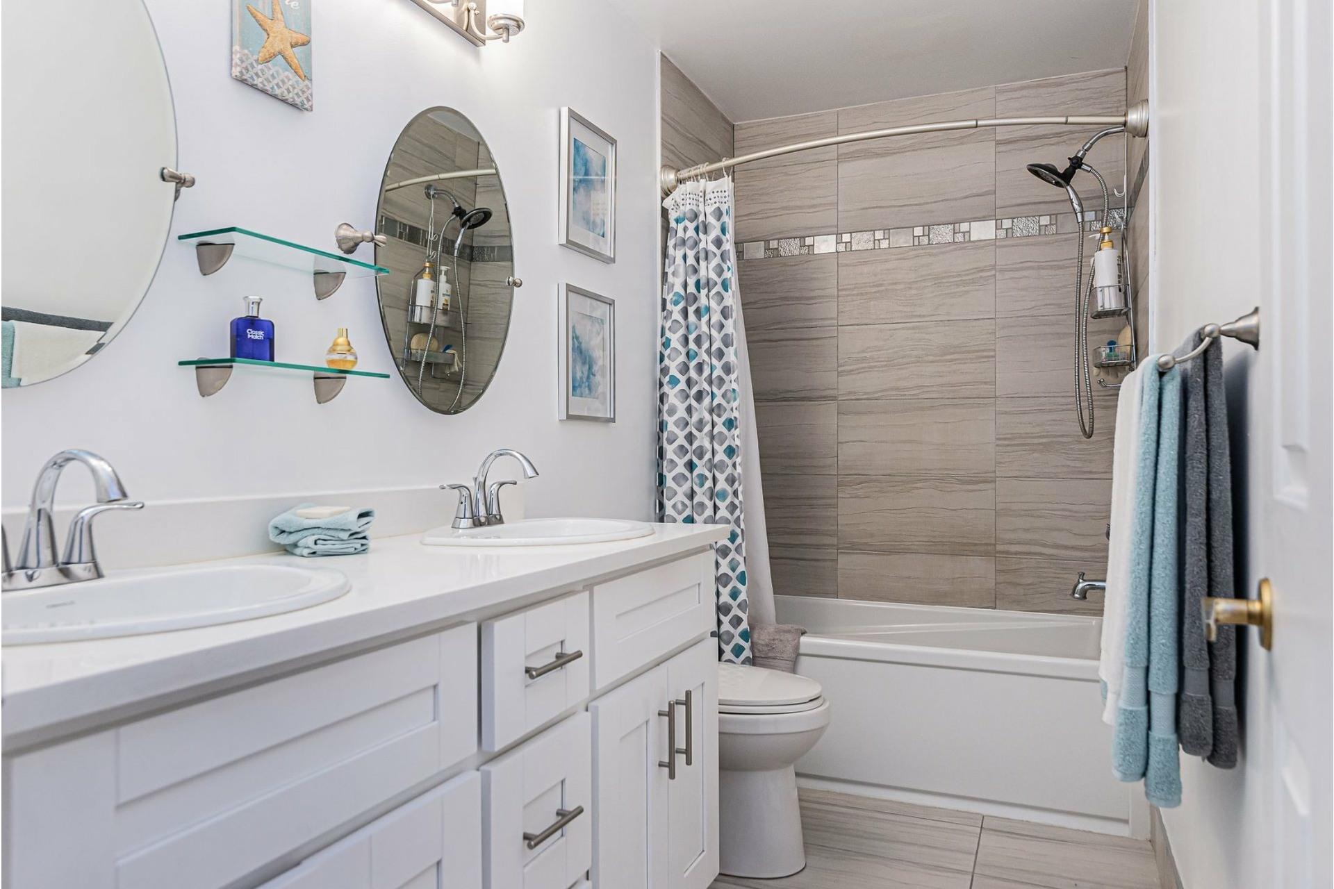 image 12 - Appartement À vendre Ville-Marie Montréal  - 6 pièces