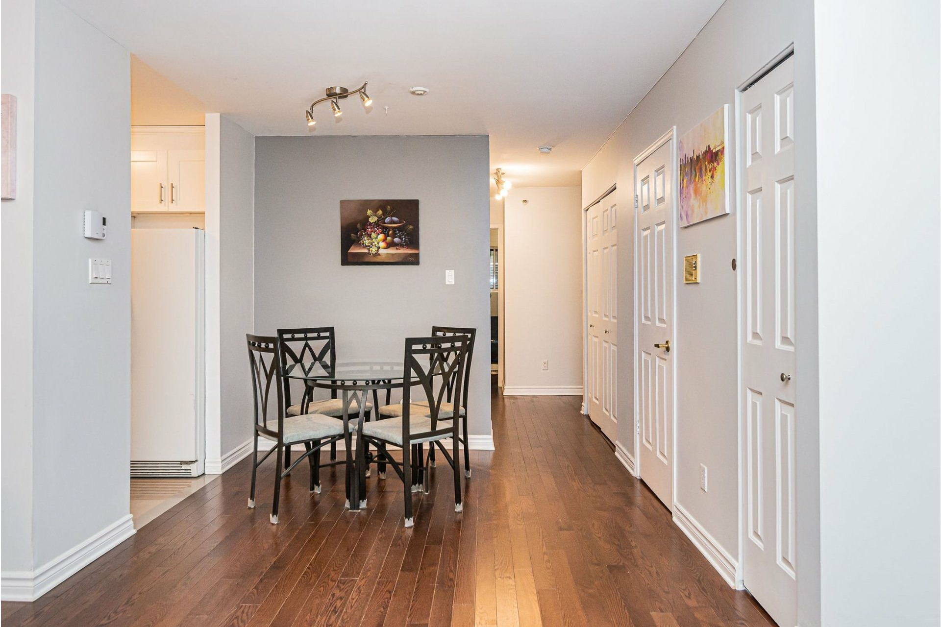 image 9 - Apartment For sale Ville-Marie Montréal  - 6 rooms