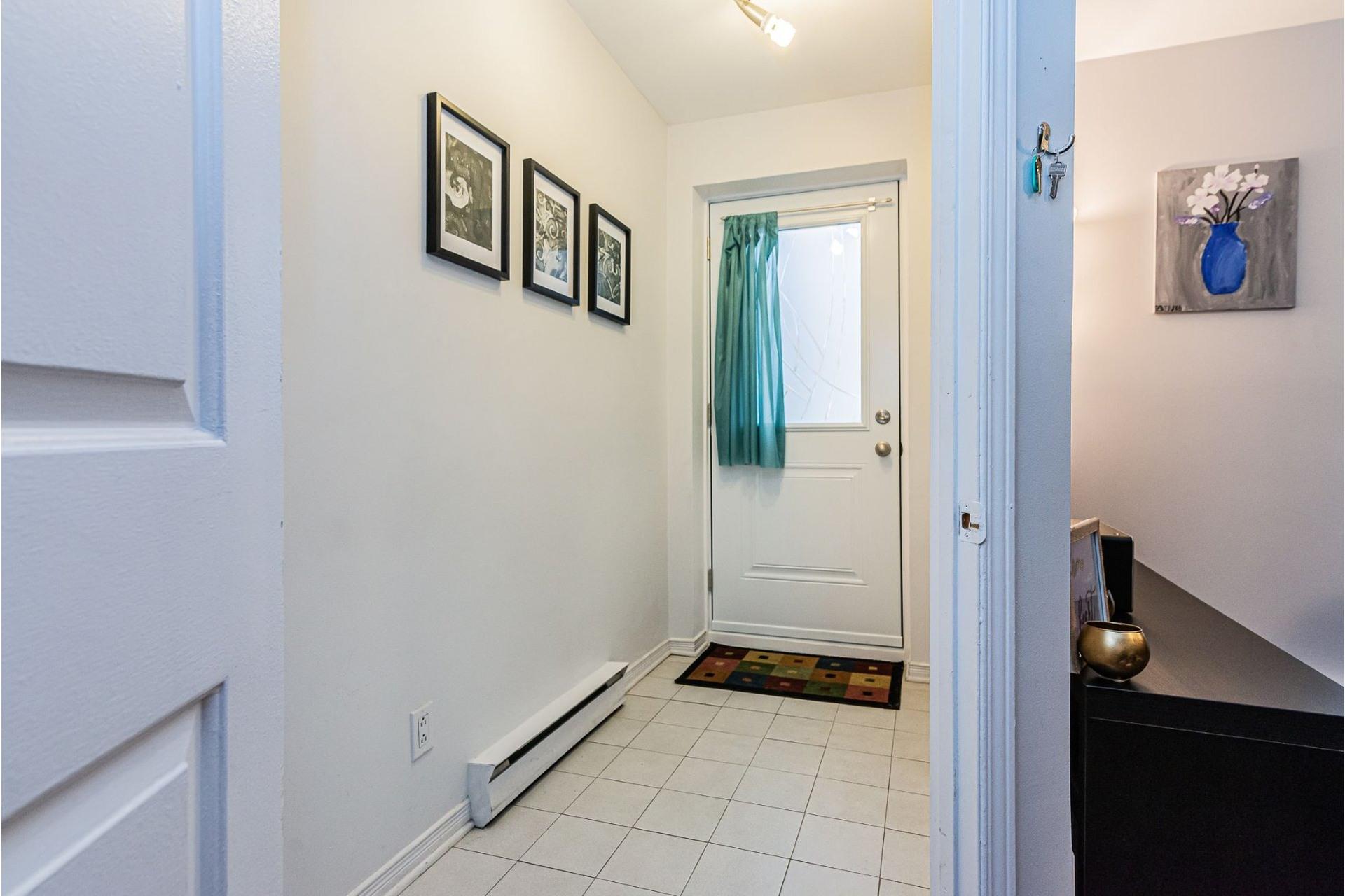 image 2 - Appartement À vendre Ville-Marie Montréal  - 6 pièces