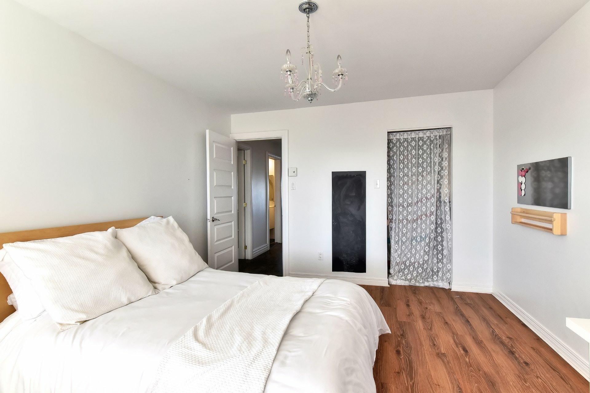 image 26 - Departamento En venta Saint-Léonard Montréal  - 8 habitaciones