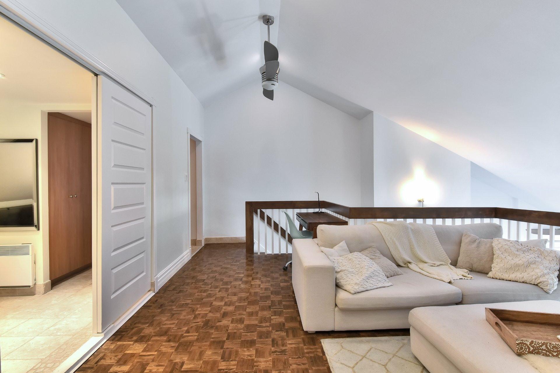 image 15 - Departamento En venta Saint-Léonard Montréal  - 8 habitaciones