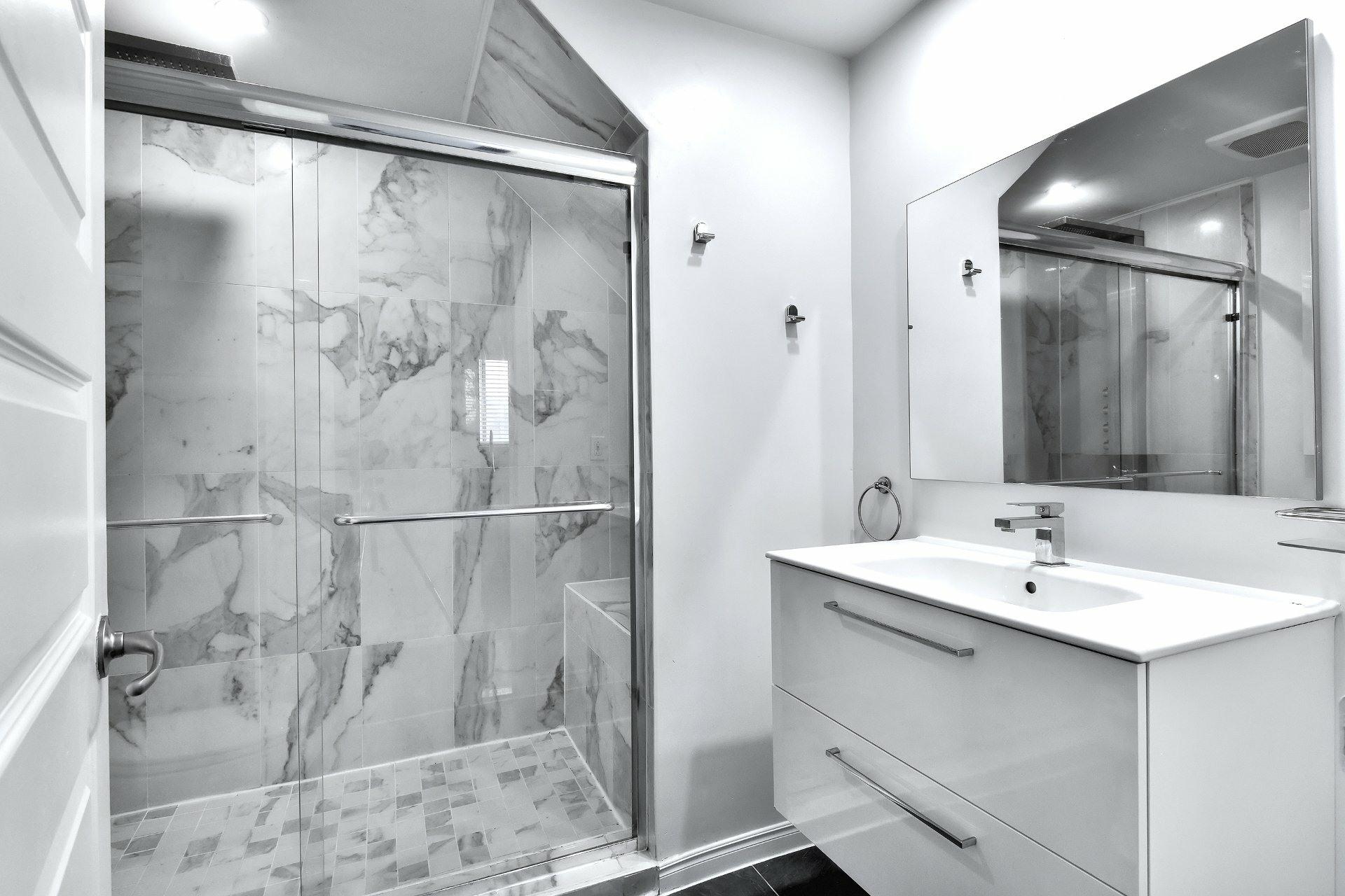 image 18 - Departamento En venta Saint-Léonard Montréal  - 8 habitaciones