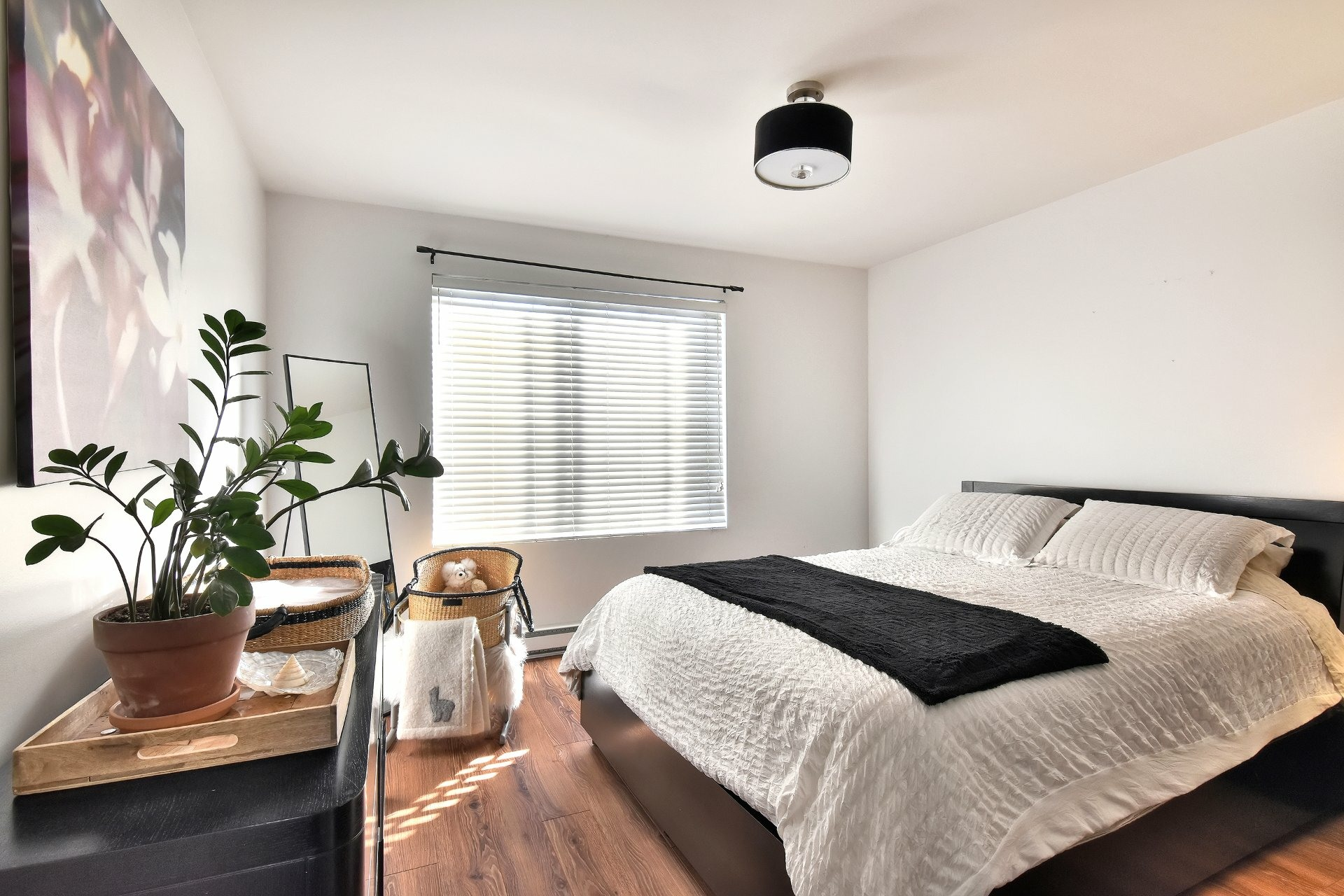 image 21 - Departamento En venta Saint-Léonard Montréal  - 8 habitaciones