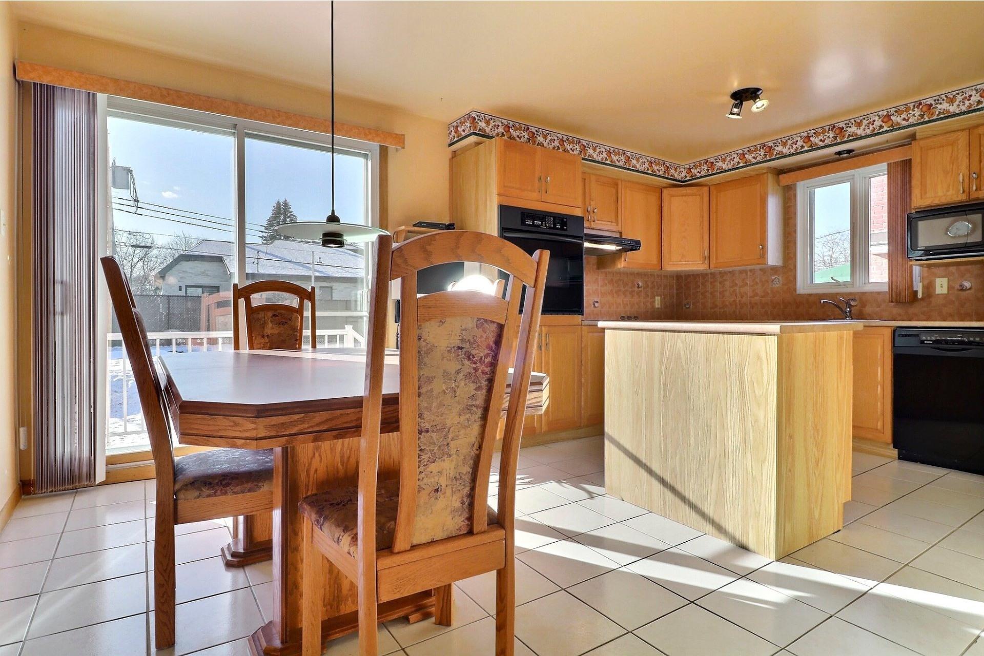 image 3 - House For sale Montréal-Nord Montréal  - 12 rooms