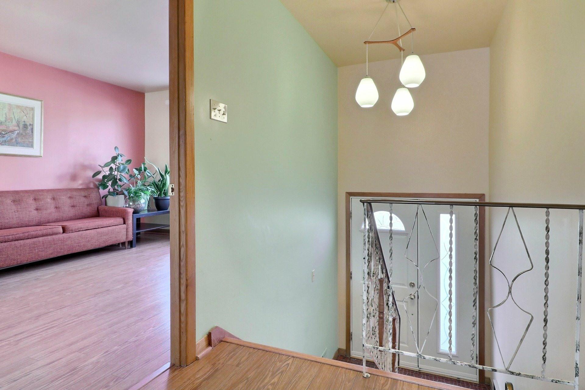 image 1 - House For sale Montréal-Nord Montréal  - 12 rooms