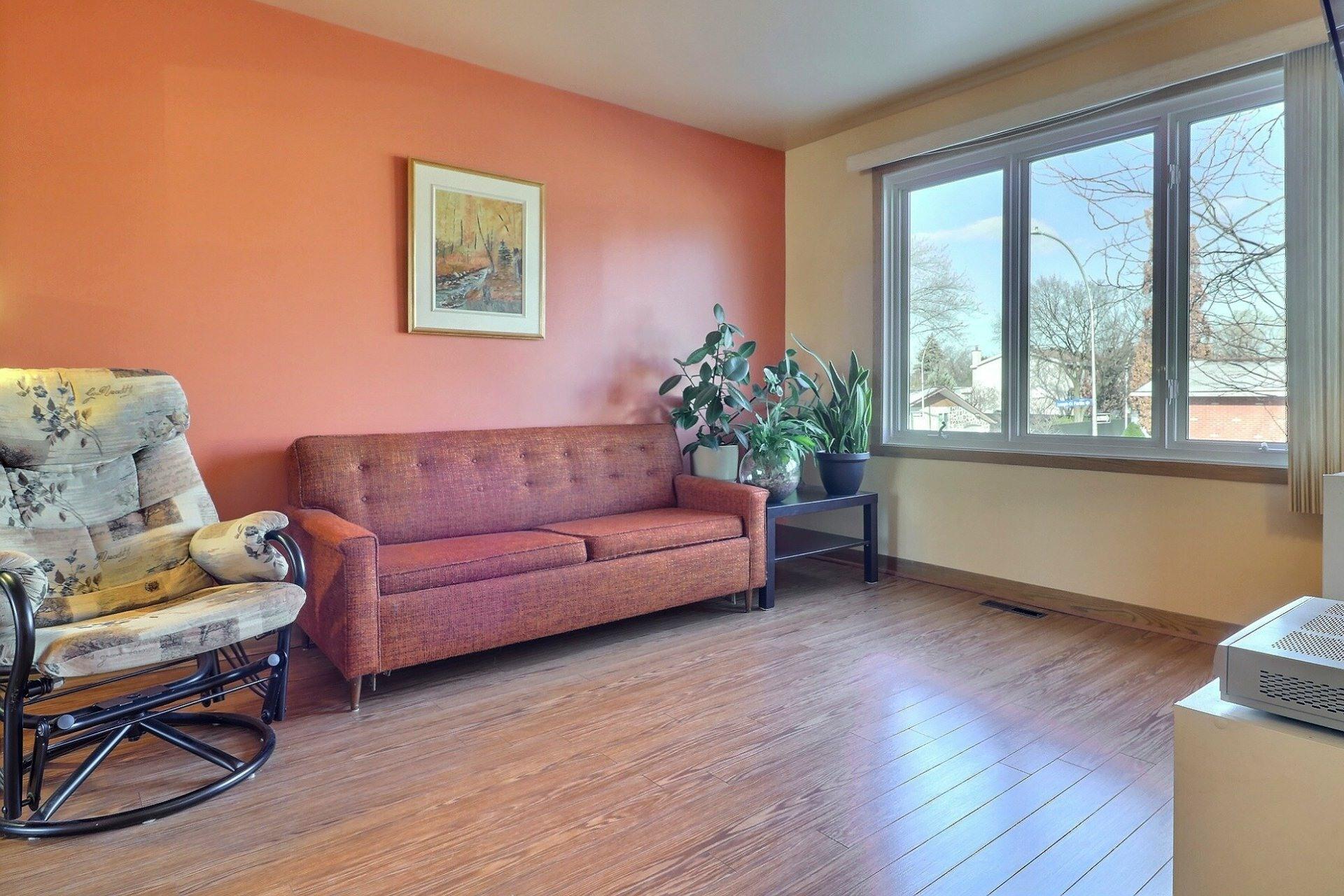 image 2 - House For sale Montréal-Nord Montréal  - 12 rooms