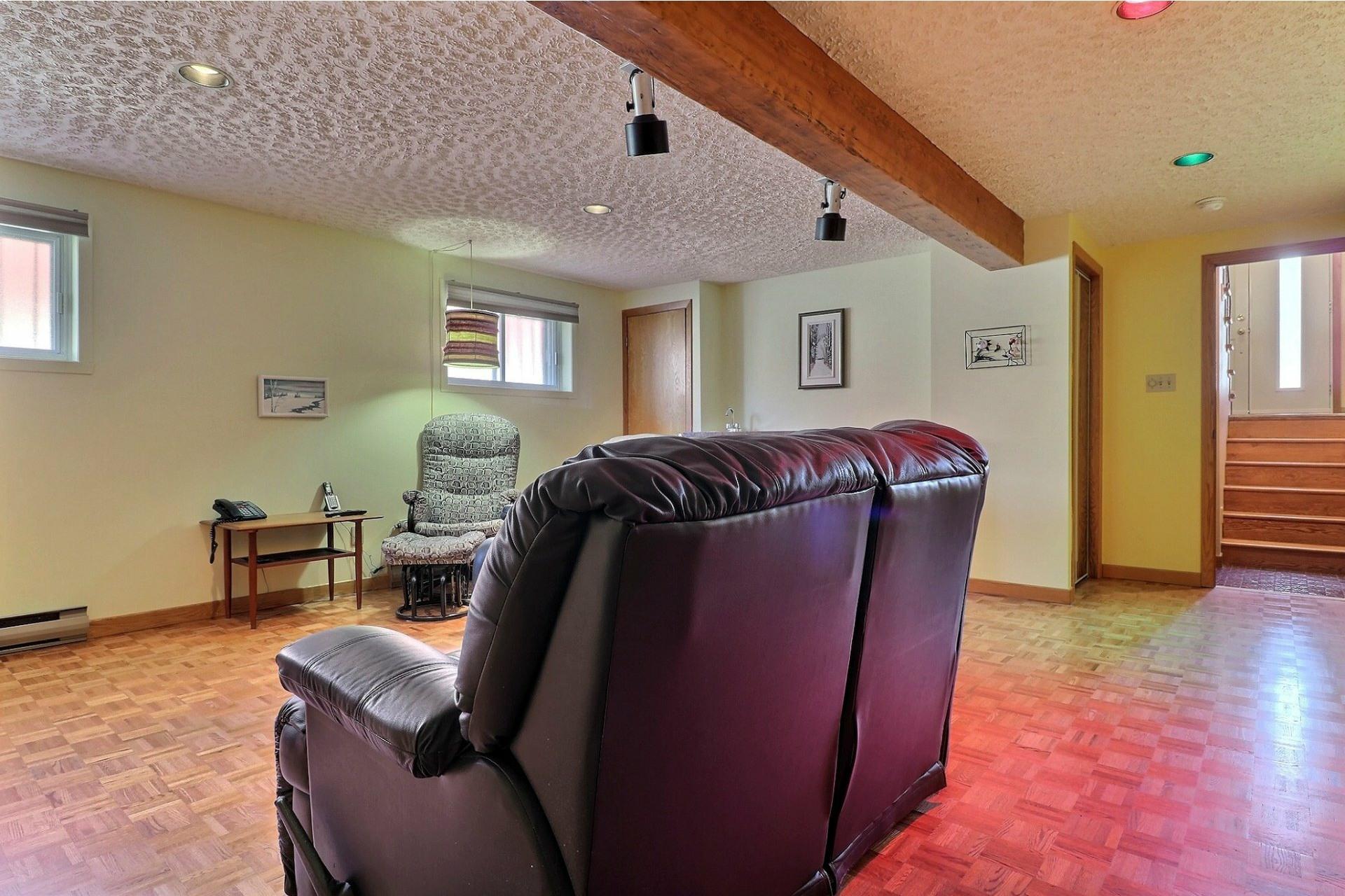image 15 - House For sale Montréal-Nord Montréal  - 12 rooms