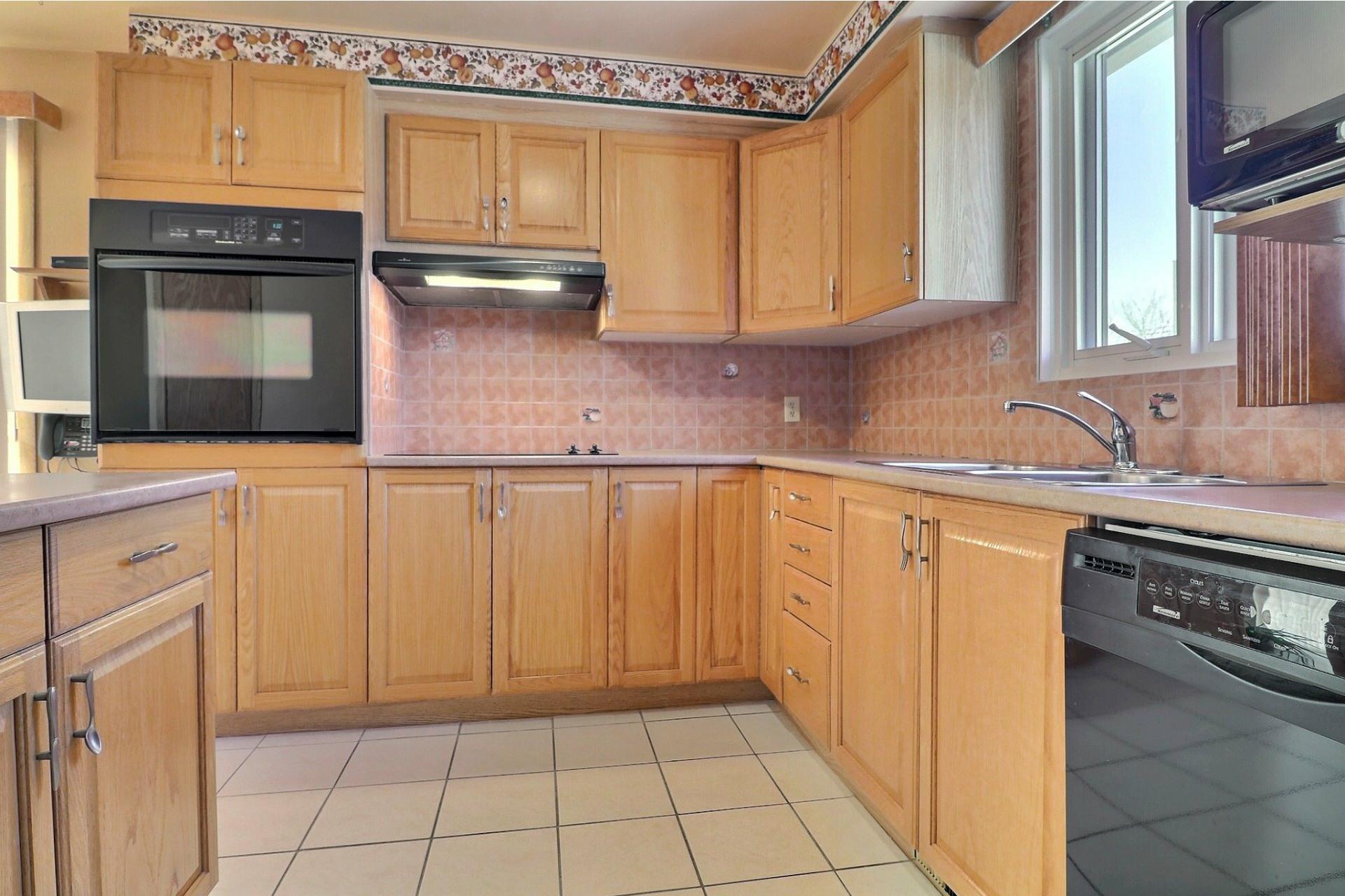 image 7 - House For sale Montréal-Nord Montréal  - 12 rooms