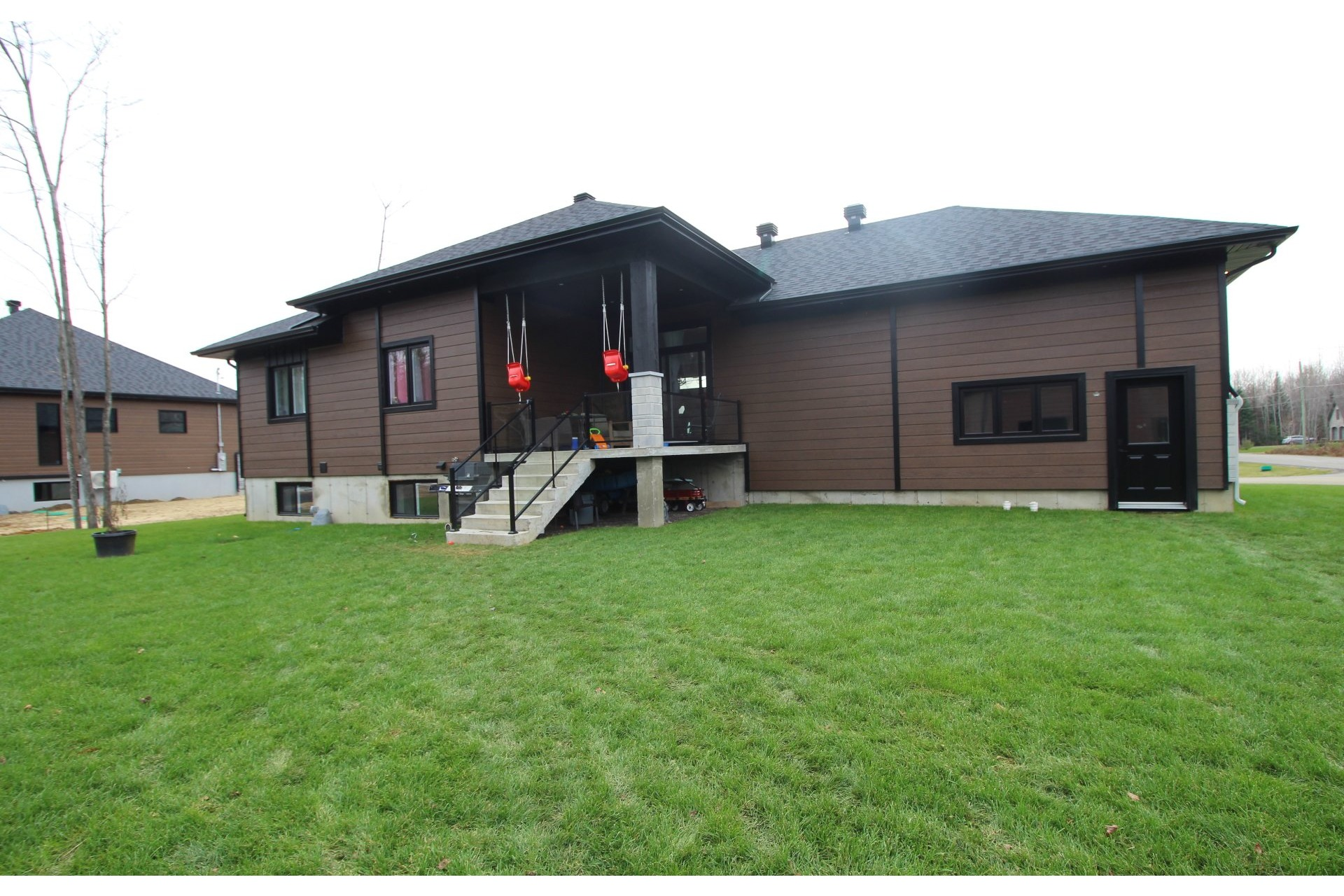 image 3 - House For sale Saint-Ambroise-de-Kildare - 12 rooms