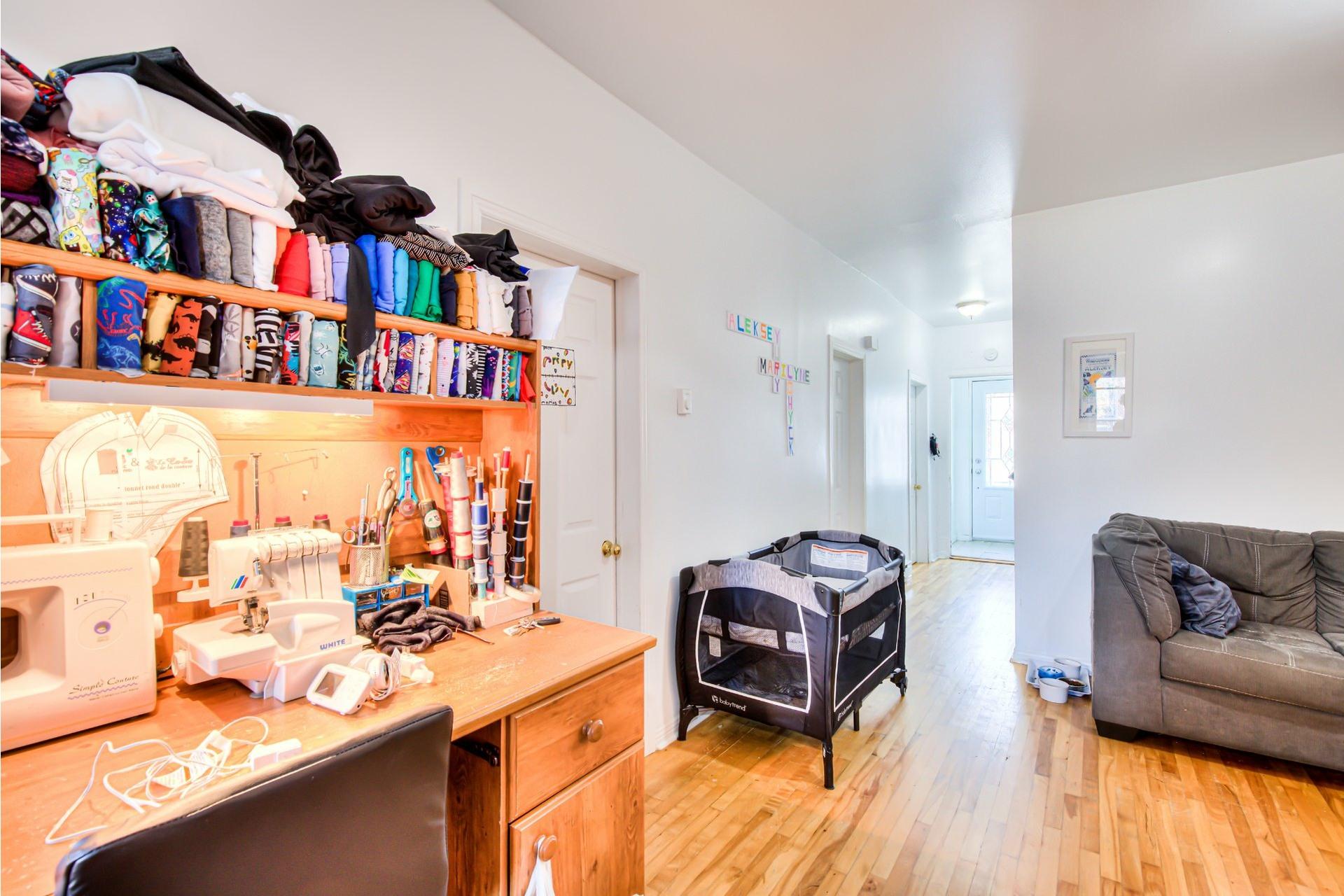 image 4 - Triplex For sale Le Sud-Ouest Montréal  - 5 rooms