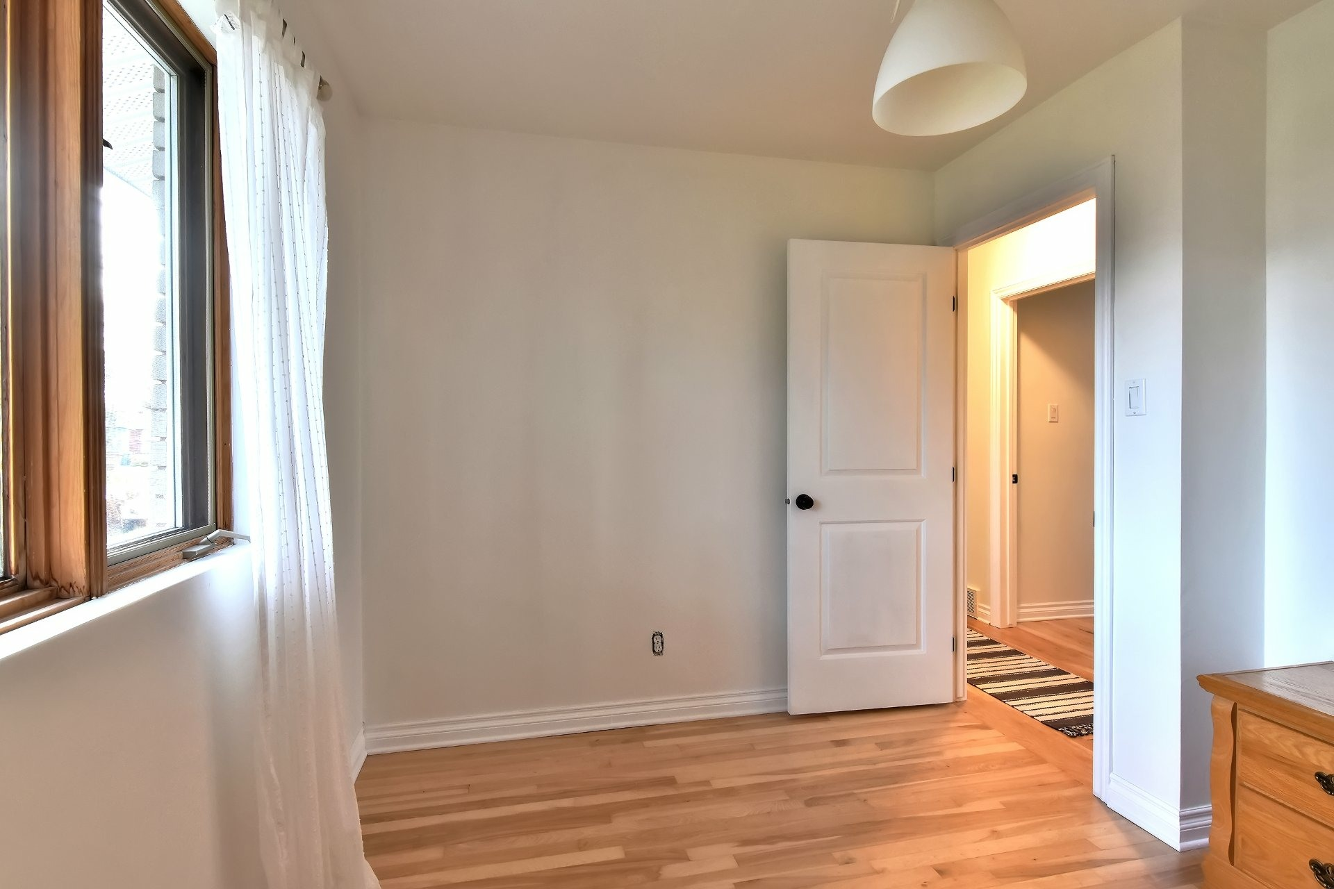 image 19 - House For sale Châteauguay - 12 rooms